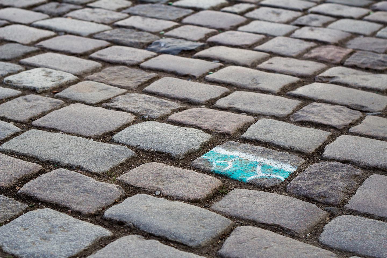 street_art_andre_levy_zhion_intervention_underpants_briefs_frankfurt_germany_main_sidewalk_turquoise.jpg
