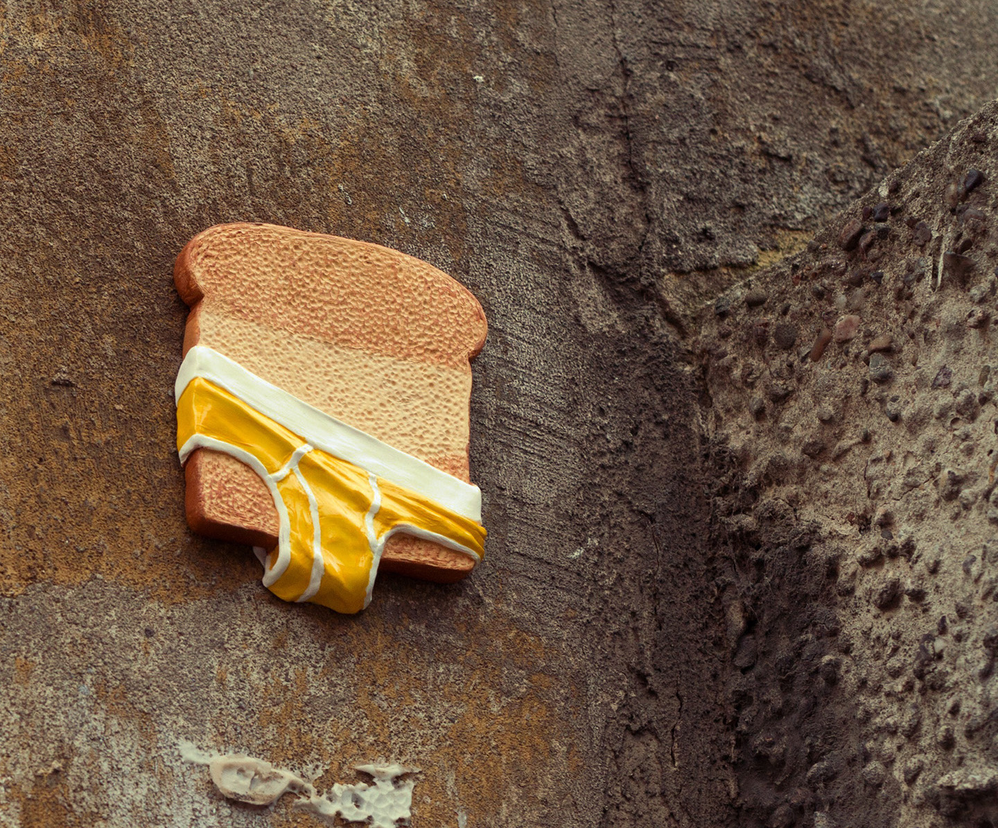 mixed_media_illustration_andre_levy_zhion_toast_croque_copain_street_art_urban_sculpture_4.jpg