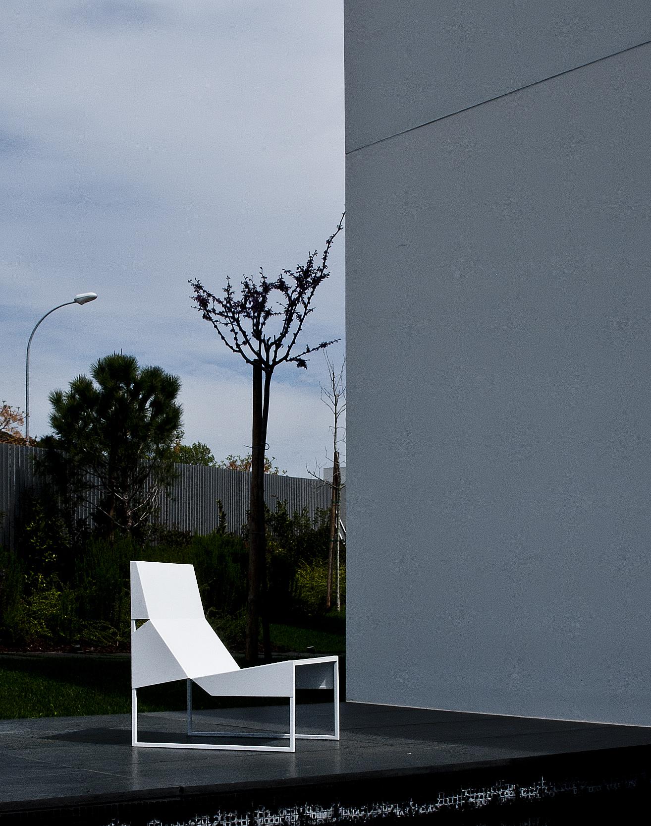 Paper chair lounge 2.jpg
