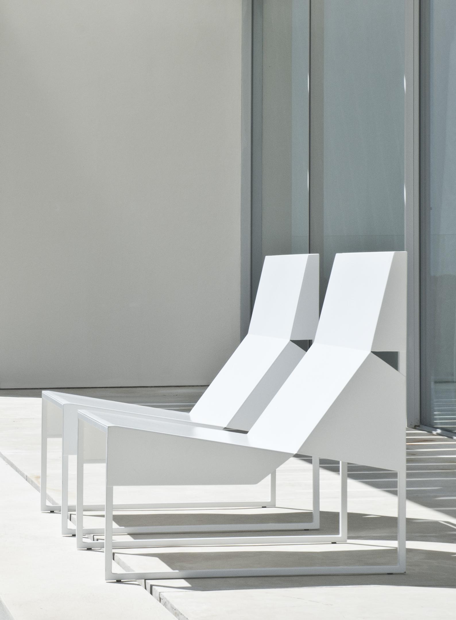 Paper chair lounge 6.jpg
