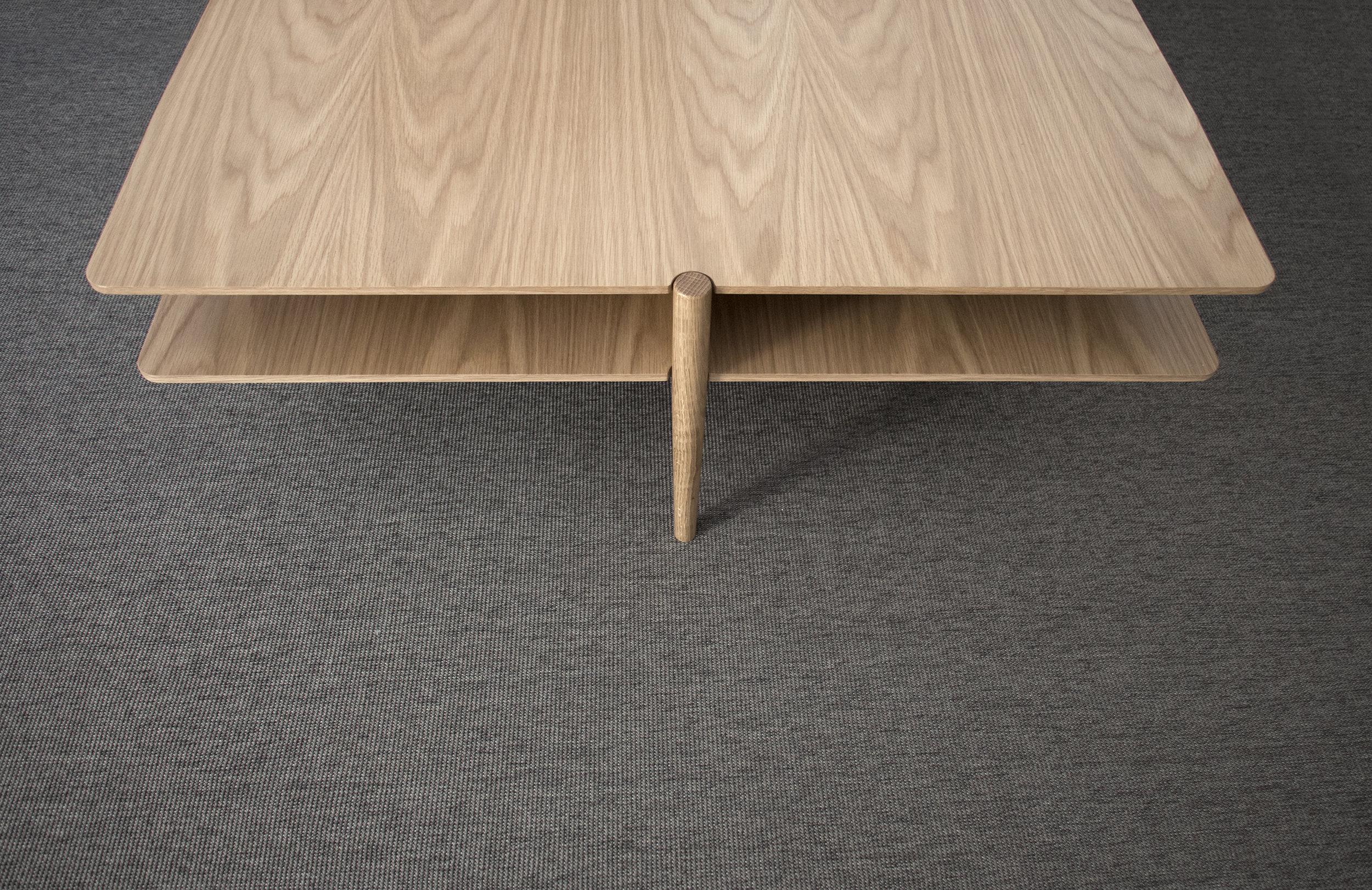 Nivel oak detail.jpg