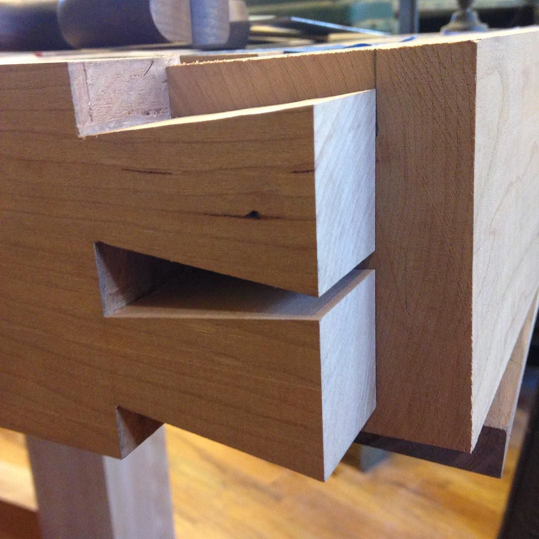 Condor tails cut for the tail vise end on my cherry and beech Roubo workbench. Getting ready to mark the pins. Shot 2 of 2…  #condortails #madeinusa #madeinmichigan #Benchcrafted #woodshop #workshop  #woodwork  #handmade #cherry #beech  #workbench #roubo #tenon #dovetail #legvise #wagonwheel #woodworking #mcmfurniture #lienielsen #whiteoak  http://ift.tt/1RZvsrS