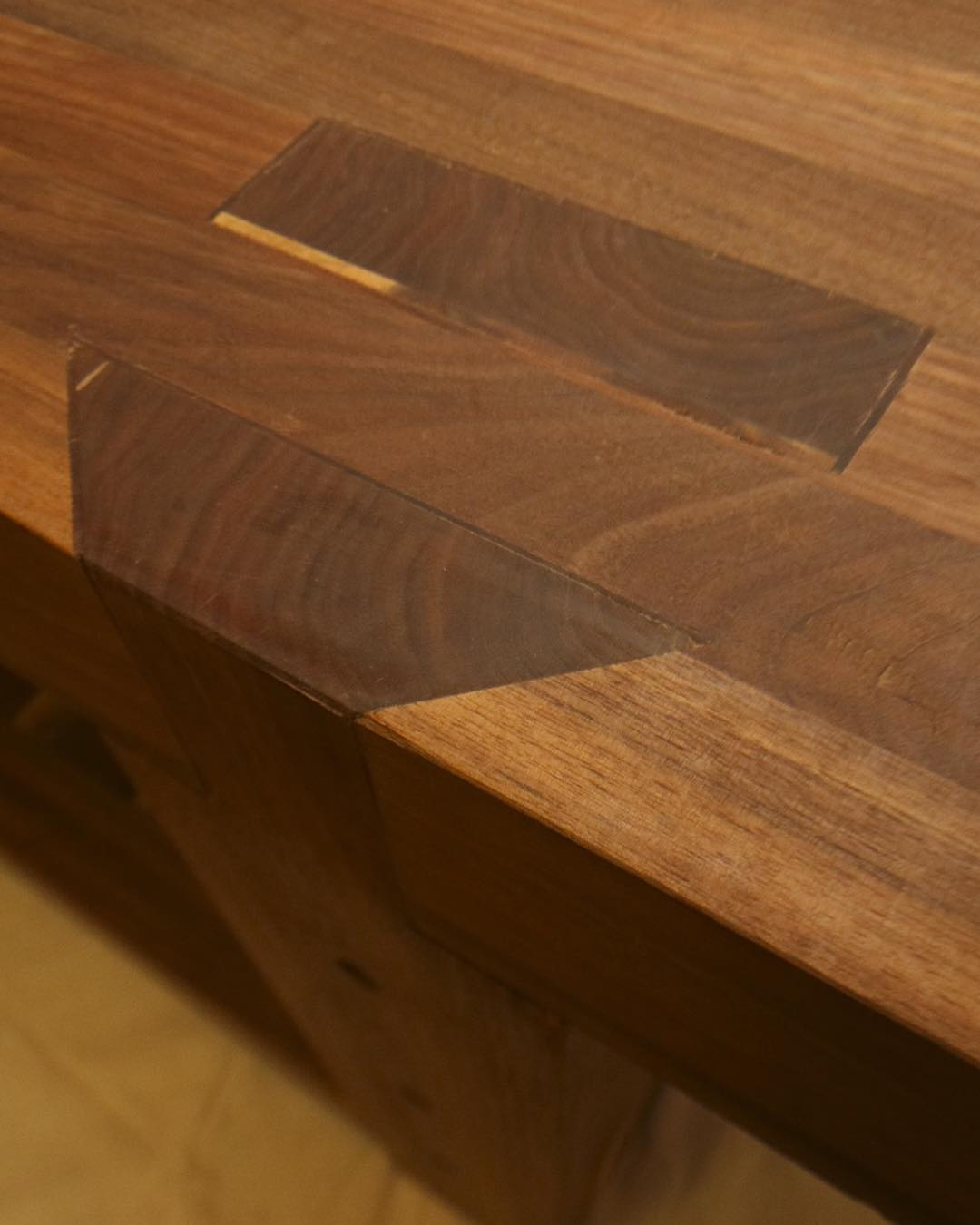 A glamour shot from the walnut Roubo now down with @cupandchisel in Houston. That was a nice bench!  #madeinusa #madeinmichigan #Benchcrafted #woodshop #workshop  #woodwork  #handmade #walnut #workbench #roubo #tenon #dovetail  http://ift.tt/1PxEwVw