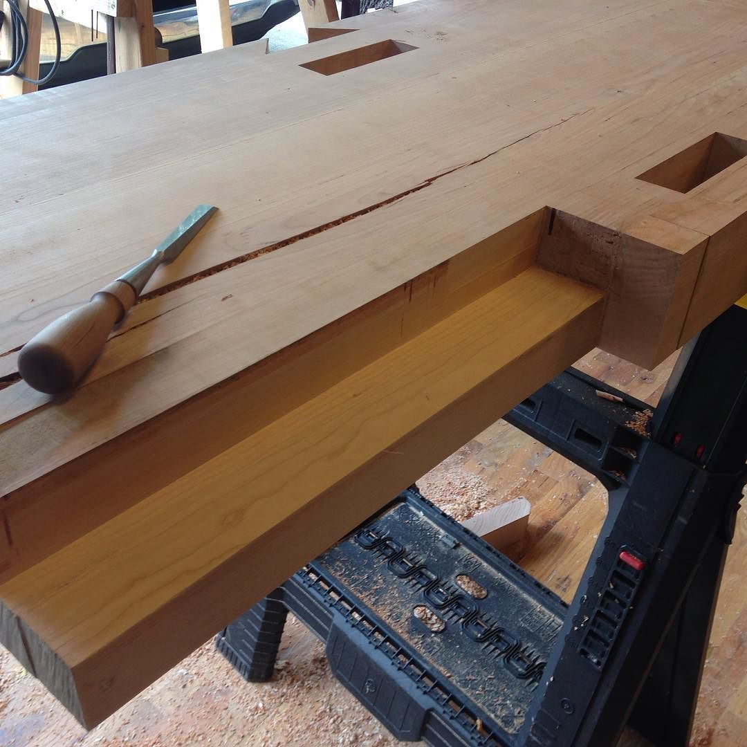 The cavity for the #benchcrafted tail vise screw is excavated and cleaned up. I need to cut a few bow tie splines for the gnarly split on the underside of the top but otherwise it's pretty much ready to be flipped over…  #woodwork #madeinmichigan #handmade #beech #workbench #roubo #tenon #dovetail #joinery #slidingdovetail  #bench #condortails #benchcrafted #rouboworkbench #workshop #stretchers  http://ift.tt/1LKebxx