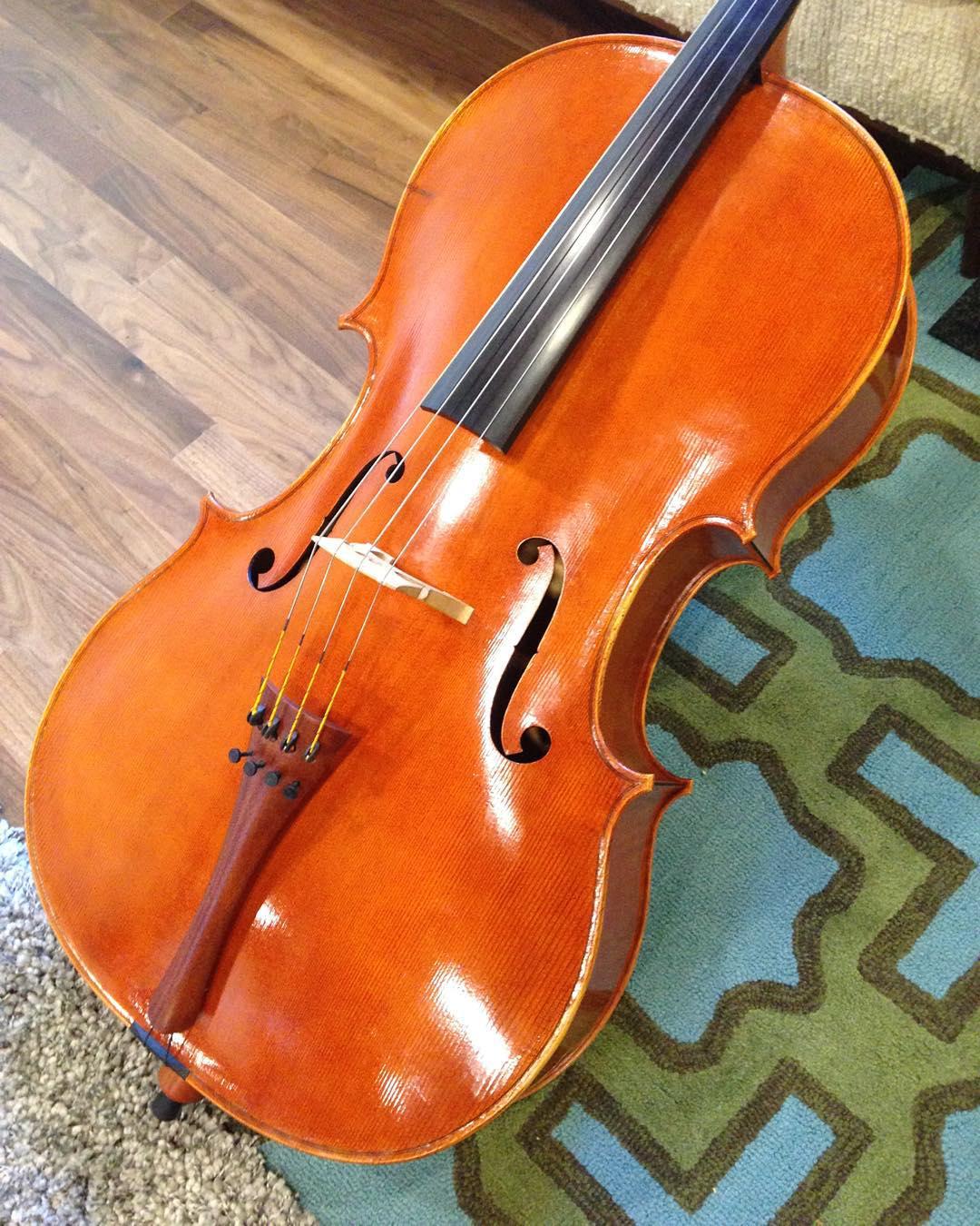 Kelvin Scott delivered my new cello today. It's beautiful!  #cello #luthier #music #instrument #kelvinscott  http://ift.tt/1jOHFUZ