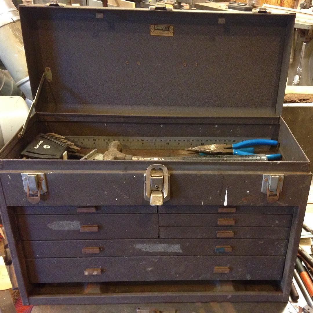 I finally found a Kennedy tool box to keep general tools in out in the shop. Now my metric and standard wrenches each have a drawer!  #handtoolthursday #toolbox #workshop #kennedy #520 #tools #toolsofthetrade  http://ift.tt/1UZkwjg