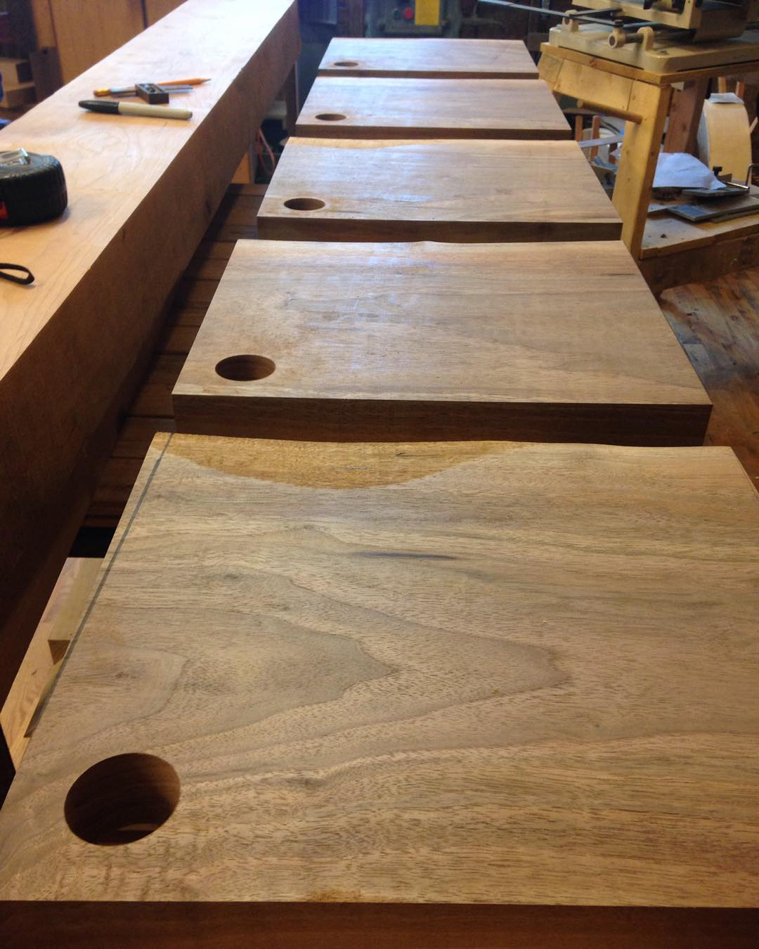 "Soon to be ""choppin broccoli, choppin broccolie, choppin broccolo""  #walnut #mcmfurniture #cuttingboard #natural #live #liveedge #handmade #woodshop #woodwork #woodworking #madeinusa #madeinmichigan  http://ift.tt/1QGJgH3"