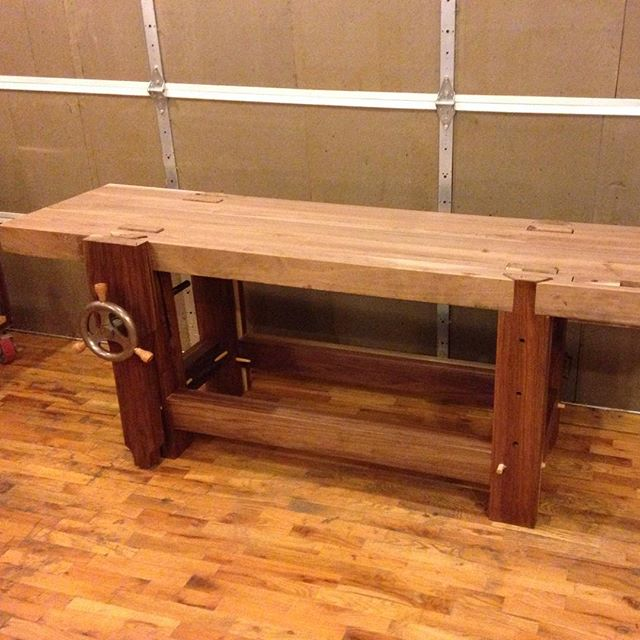 Here's another progress pic for David's @cupandchisel walnut Roubo workbench. Getting close to the end!  #woodporn #walnut #roubo #Benchcrafted #tenon #joinery #mortise  http://ift.tt/1JB8qWu