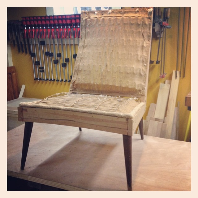 Here's the chair taken down to the frame - notice the gentle curve to the front of the seat  http://ift.tt/1fM8PG7