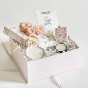 Wish-and-Pink-Anna-Bridesmaid-Box-1-300x300.jpg