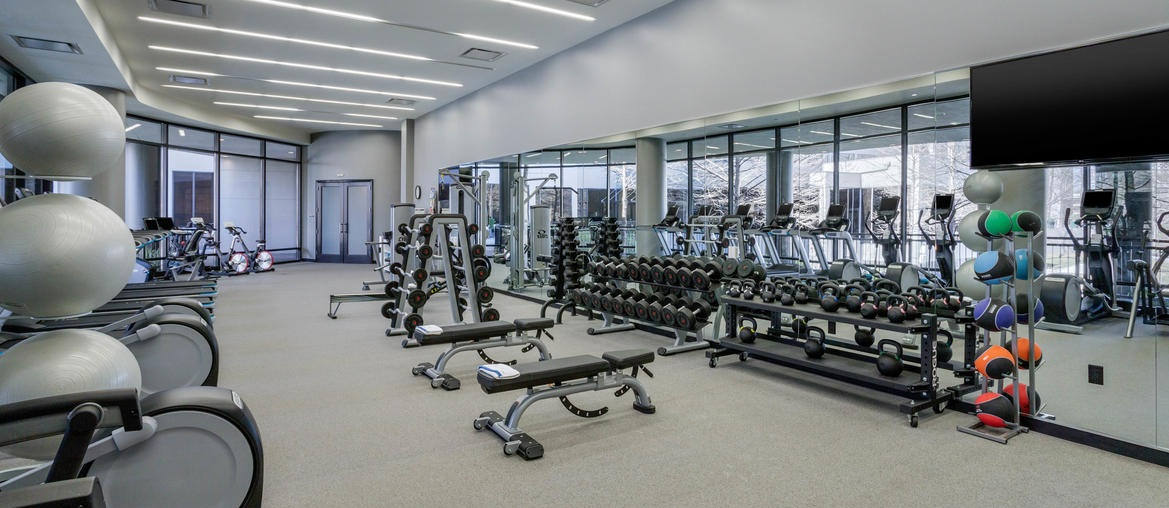 houprk-omni-houston-hotel-fitness-center-2.jpg