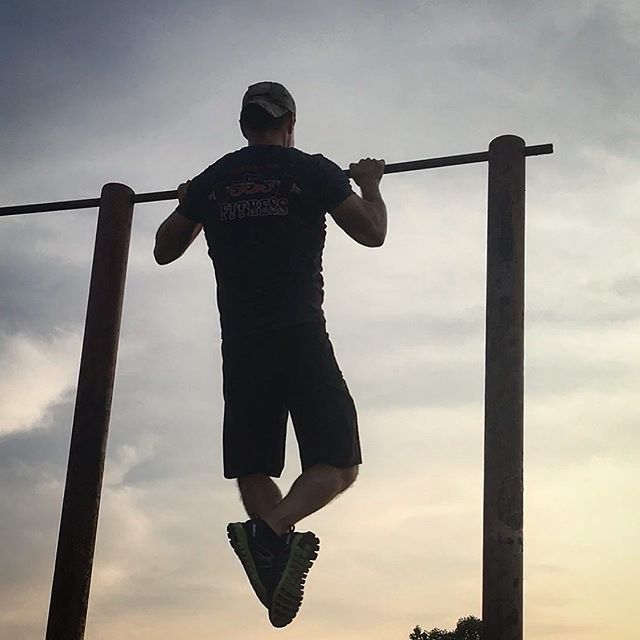 Chest-to-bar. No kipping.  #chesttobar #chesttobarpullups #pullups #sunset #sunsets #sunsetworkout #workout #workoutmotivaton #fitness #fitnessmotivation #fit #fitlife #workoutanywhere #bodyweight #crossfit #exercise #crossfitlife #fitnesslife #fitnessblogger #training #bodyweighttraining #pullupseason #pullupsgiveyouwings #nokipping #fitfortravel #fittesttravel #travelworkout #travelfitness #fittraveler #fittravel