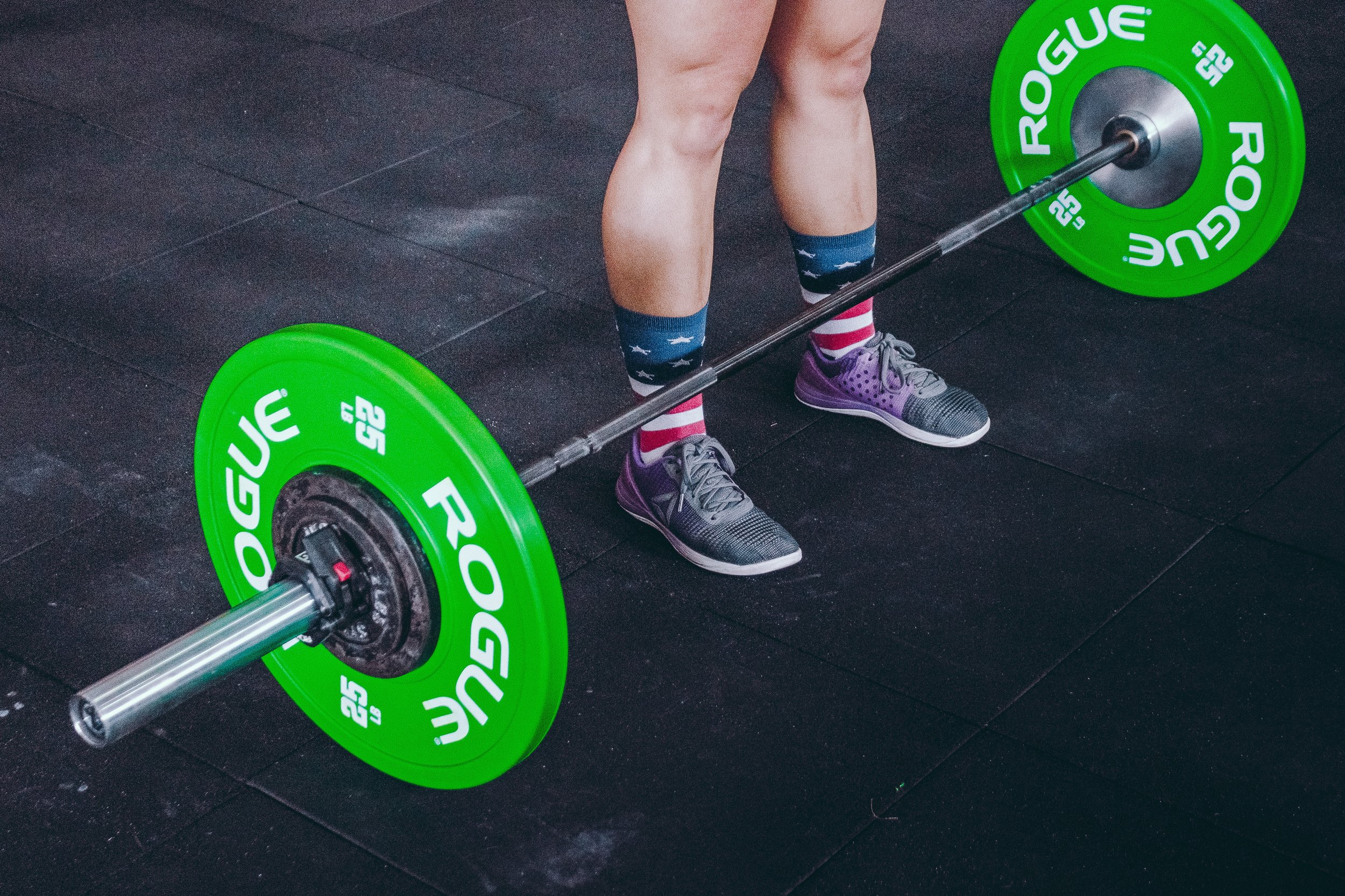 athlete-barbell-body-building-1092873.jpg