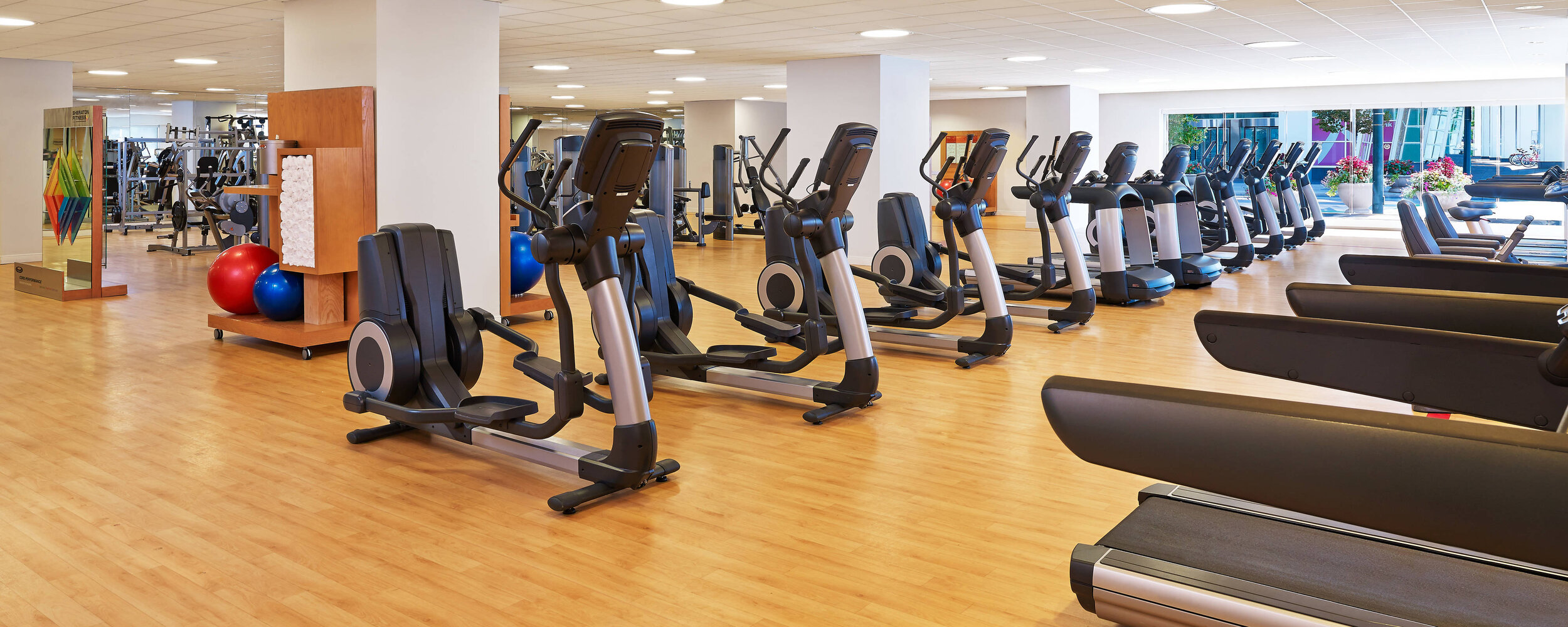 dends-fitness-center-9252-hor-feat.jpg
