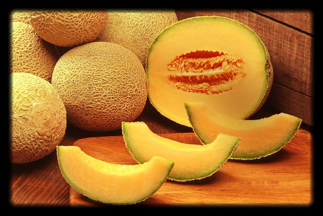 Antioxidants - Great news for the immunity and eyes. One cup has a whopping 120% of your daily vitamin A and 108% of your daily vitamin C needs.Cantaloupe's antioxidant, cucurbitacin, is an anti-inflammatory that is sure to send inflammation running!