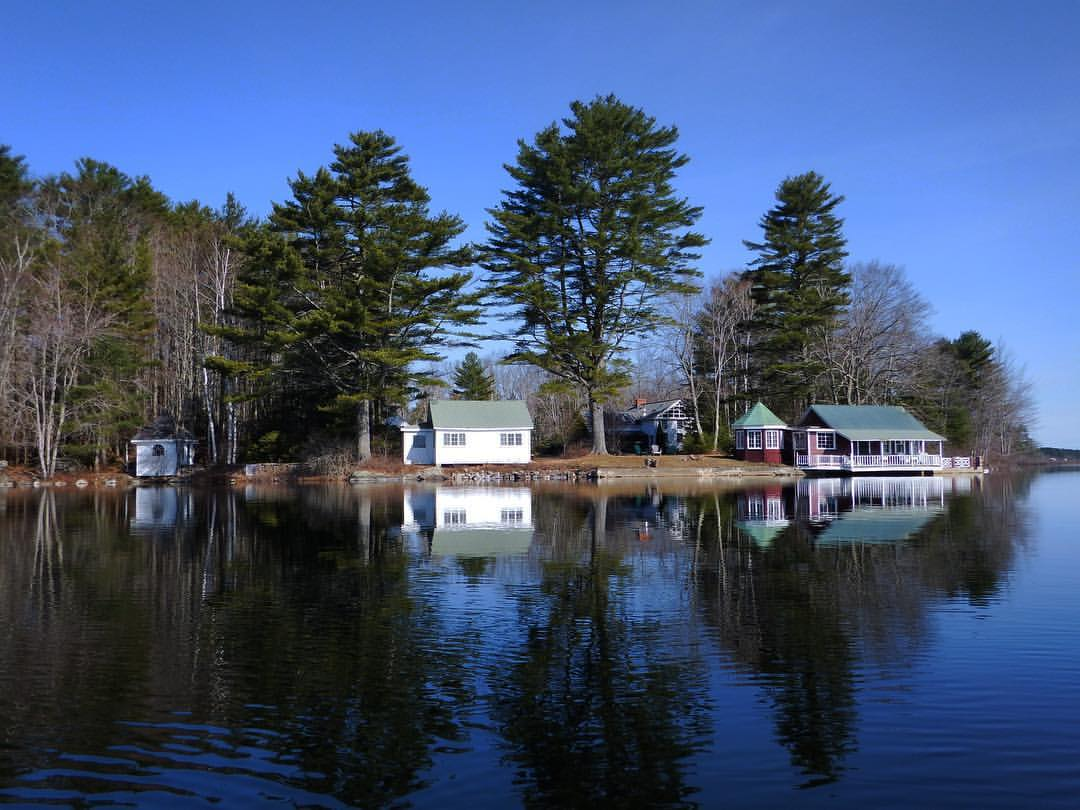 BlenheimParkMaine_Waterfront Cottages.jpg