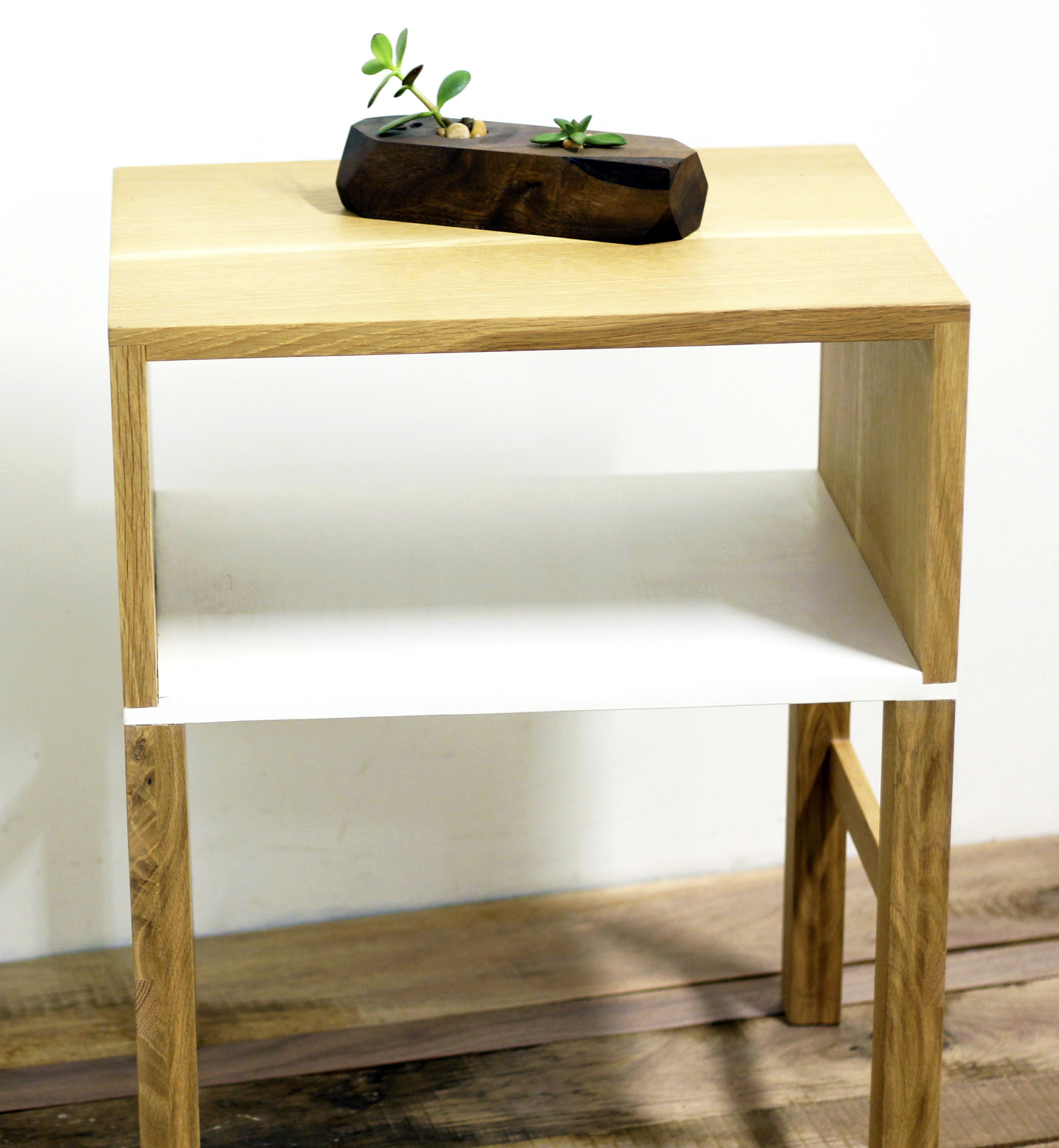 oak side table.jpg