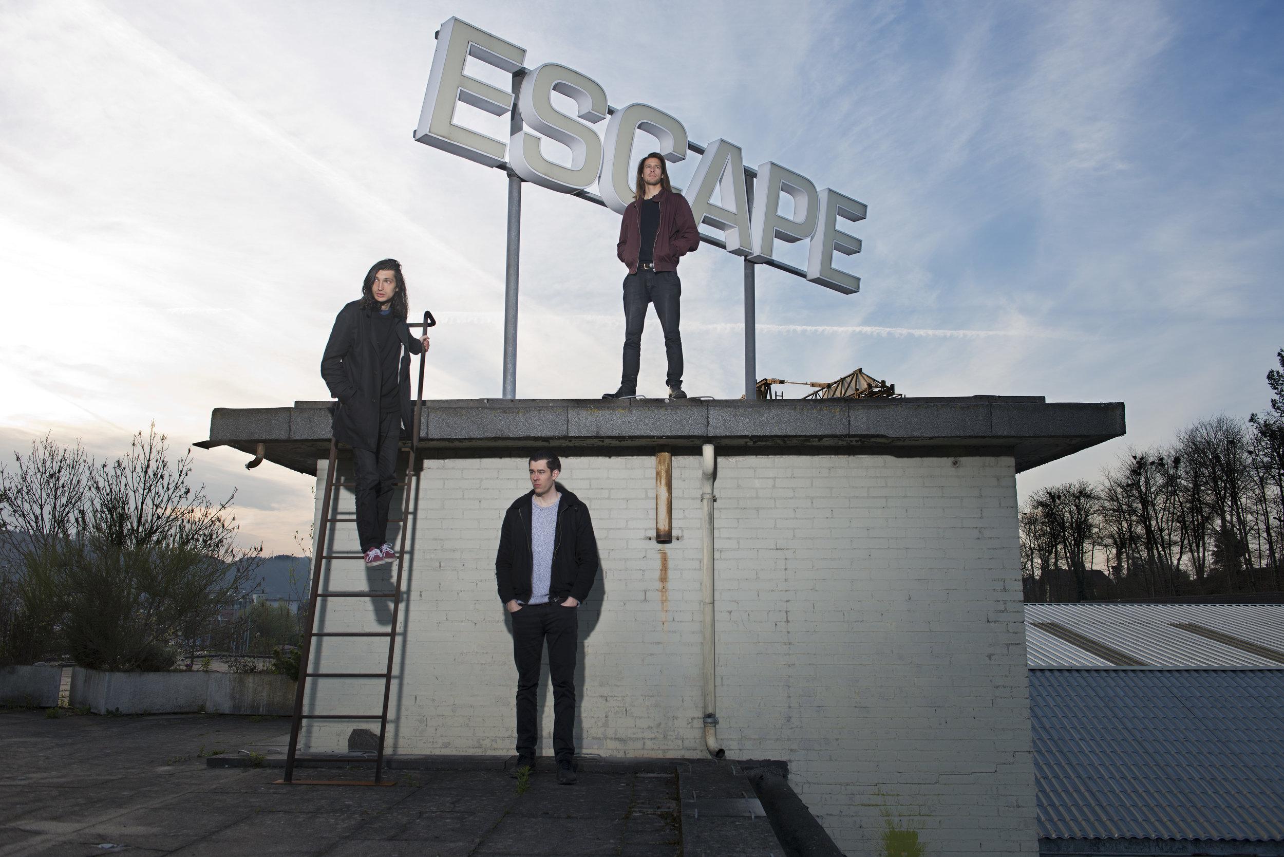 escape_3_3.jpg
