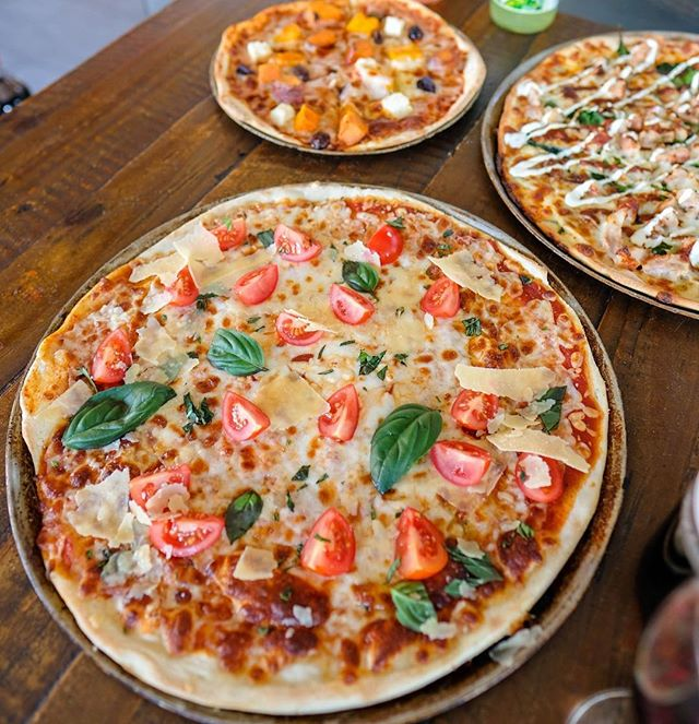 Start of the week getting you down? Get dinner sorted effortlessly by ordering homemade pizza or pasta online and having it delivered to you. Perfect weather for comfort food.