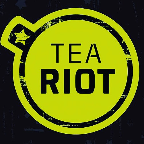 Shout out to our new Sponsor @teariot for supporting filmmakers from all over California and Spreading Positive Energy!  Their energy drinks are all organic, Tea based energy with no added sugar, just cold pressed juice and Tea, RIOT on! #teariot #positiveenergy #energydrinklove #tea #nosugaradded #organic #nongmo #healthydrinks #healthyenergy #rioton #venicebeach #lennexe #awakenyourdream