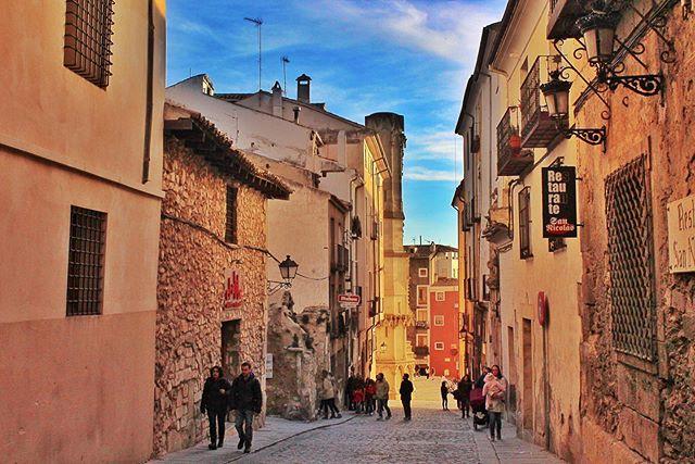 Streets like this 🇪🇸 #Cuenca .  #travelcaptures#travelpicsdaily#keeptravelling#roamtheworld#passportlife#bucketlistcheckoff#nosotrosviajamos#spaintravel#spain_vacations#spain_gallery#ok_spain#ok_europe#livelovespain#ig_spain##passionpassport#beautifuldestinations#gobehere#travelinside_#traveldreamseeker#goseetheworld#explorenewplaces#traveladdiction#travelpicture#travelthroughtheworld#the_daily_traveller#wandergram#travelphotography#iamtb#culturetrip