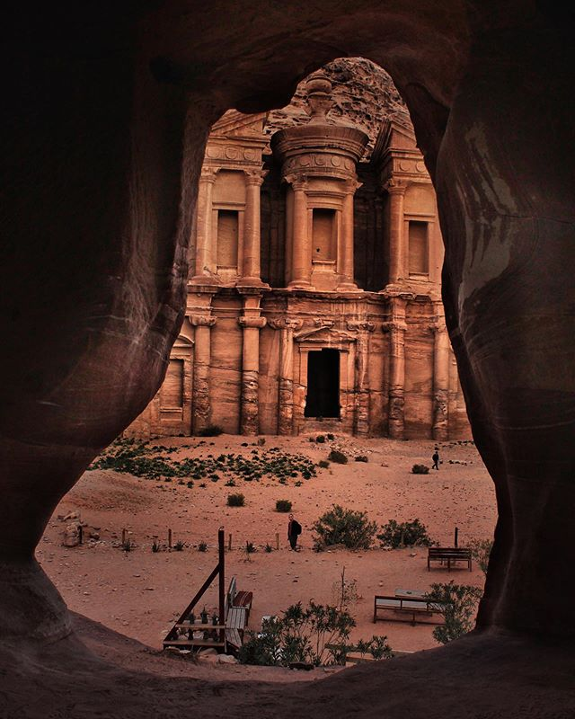 Hidden gems of Petra 🇯🇴 . #jordan#culturetrip#petra#visitjordan#traveljordan#ammanjordan#jordanie#ig_jordan#shareyourjordan#7wondersoftheworld#discoverjordan#earthpix#travelpicsdaily#keeptravelling#roamtheworld#passportlife#bucketlistcheckoff#traveltogether#fantasticearth #globetrotting#travelmore#visualcollective#exploreourearth#travellushes#visualwanderlust#mybestintravel#passionpassport#beautifuldestinations#gobehere#travelinside_