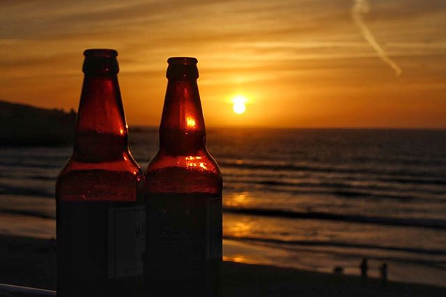 These are not KEO beers and this is not a photo of a sunset in Cyprus...this photo was actually  taken in the UK last week (😱 i know right?) Cornwall's sunset, dramatic coastlines and beautiful sandy beaches with crystal clear waters, is what you need this summer if you are not going abroad 👌👌 #roadtrip