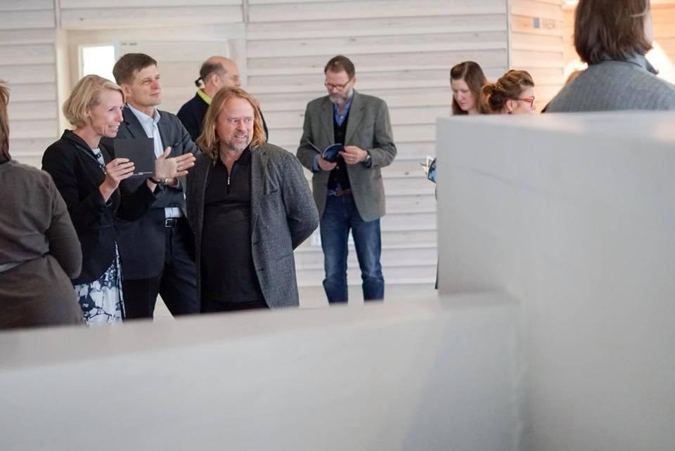 Vice-President Anna Valtonen, President Ilkka Niemelä and artist Hans-Christian Berg. In the background photographers Ilkka Halso, Kristoffer Albrech, Elina Julin. Image: David Lewis.