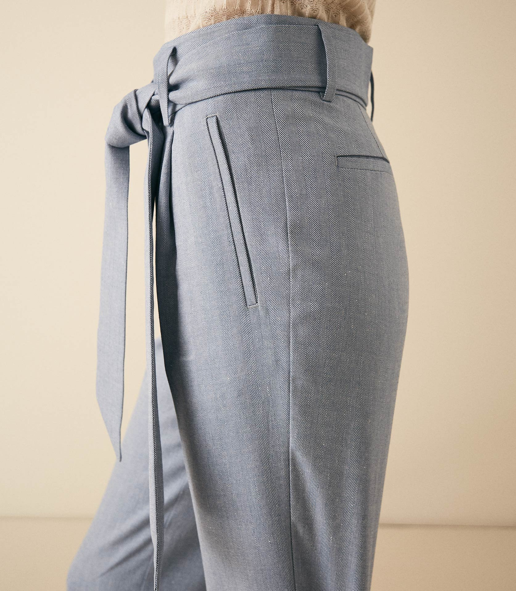 Reiss Isabel - Linen Blend Herringbone Trousers in Blue