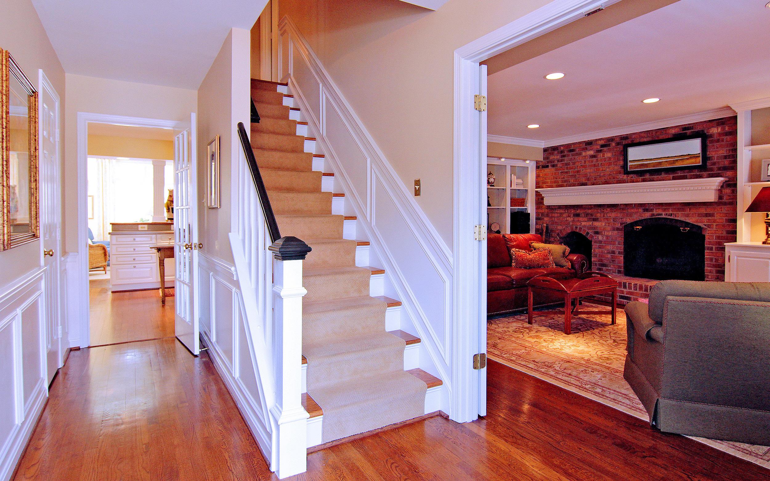 Foyer looking to Kitchen & Den.jpg