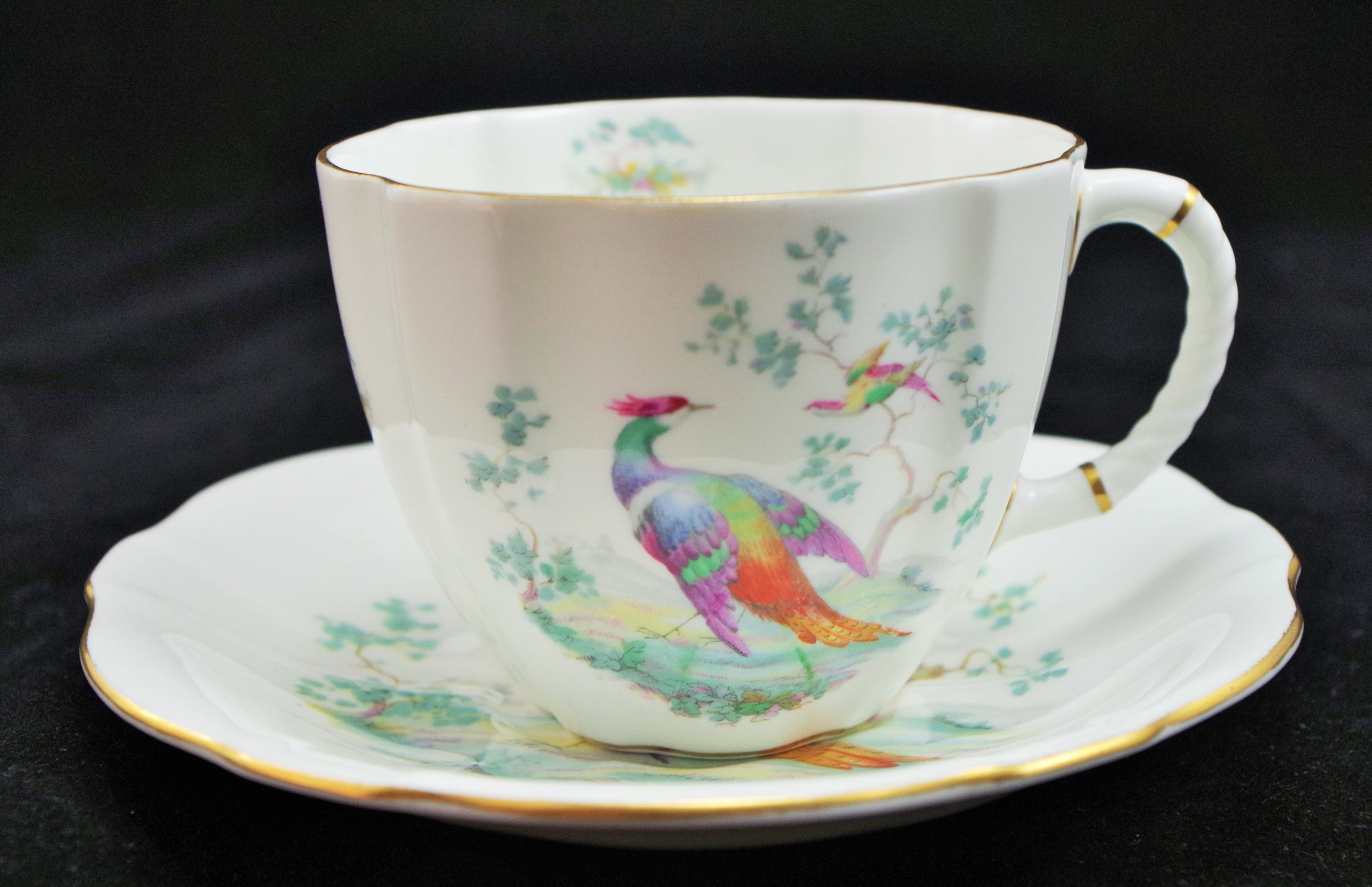 royal-crown-derby-surrey-cup-and-saucer-paradise-bird-A420.JPG
