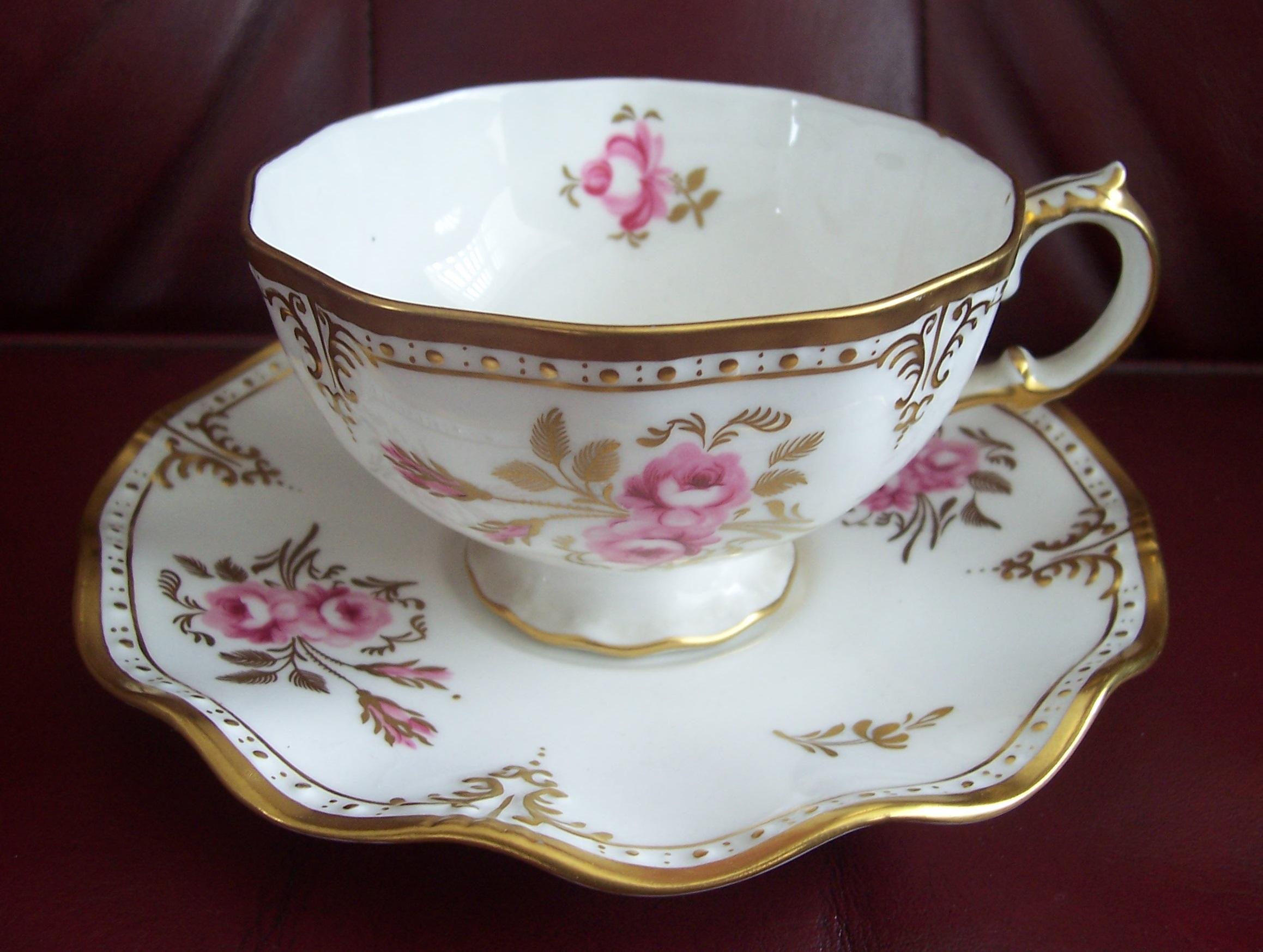 A1155 Royal Pinxton Roses