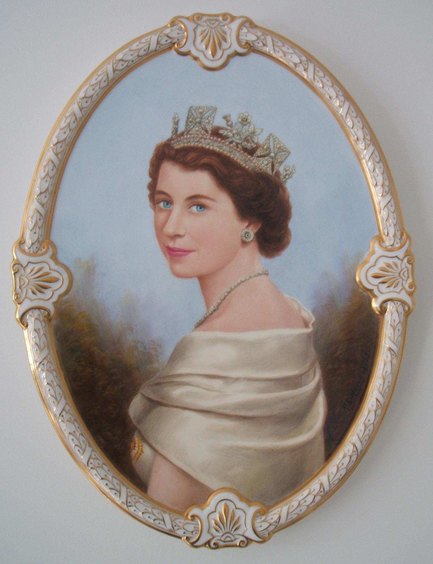 royal-crown-derby-elizabeth-II-douglas-hague-coronation-plaque-1953