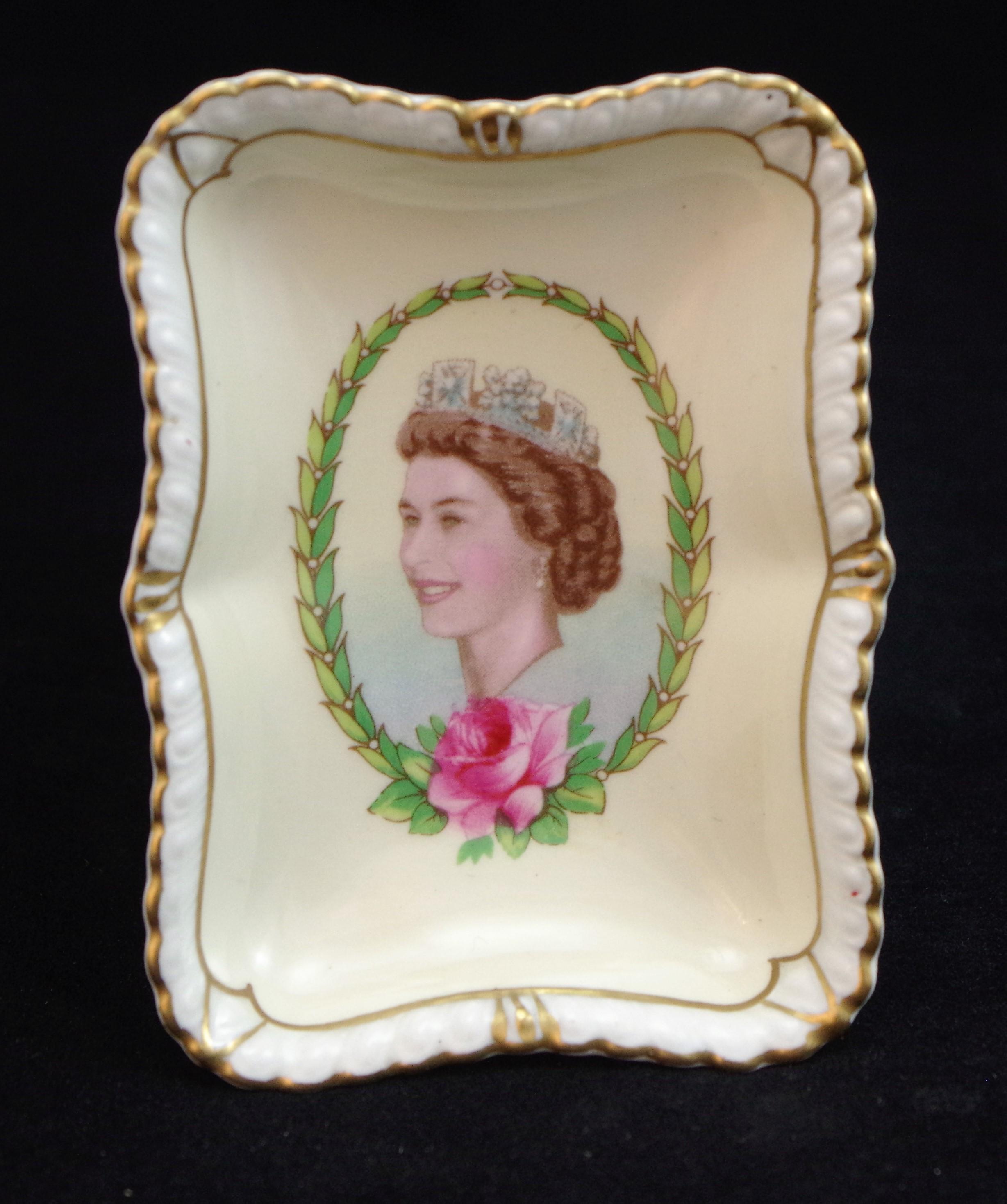 royal-crown-derby-gadroon-elizabeth-II-coronation-tray 1953
