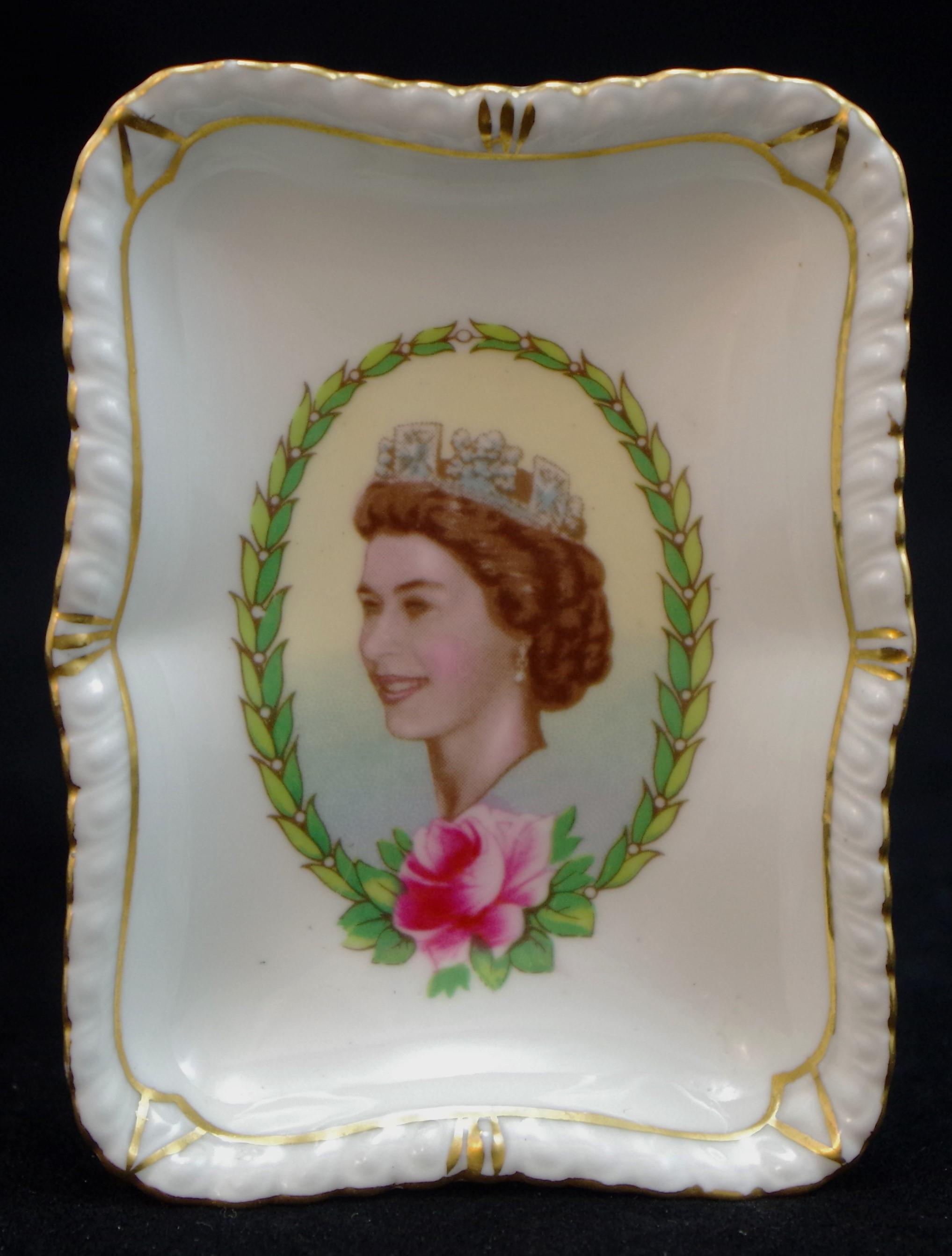 royal-crown-derby-gadroon-elizabeth-II-visit-to-canada-1957