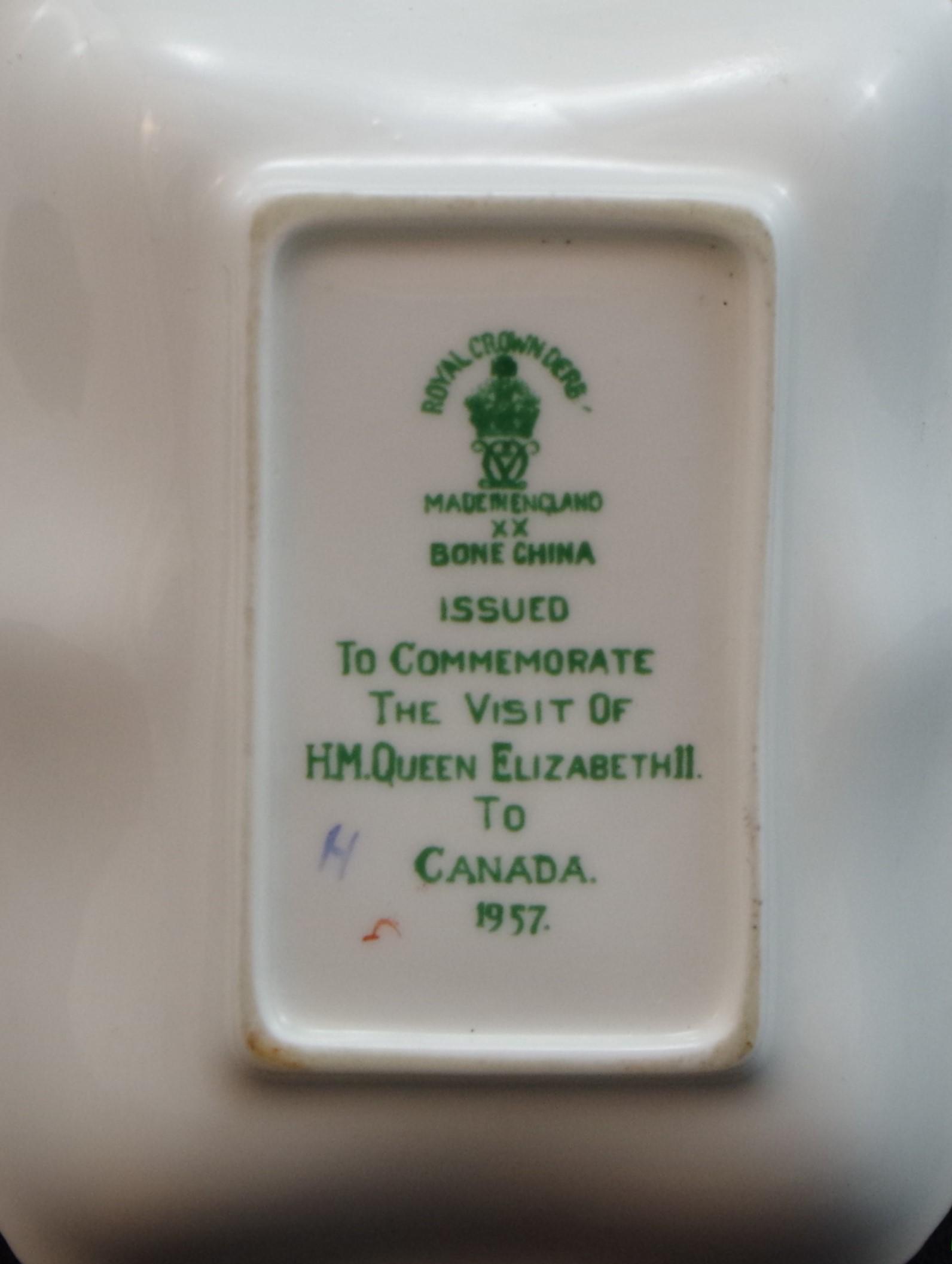 royal-crown-derby-gadroon-elizabeth-II-visit-to-canada-1957-reverse