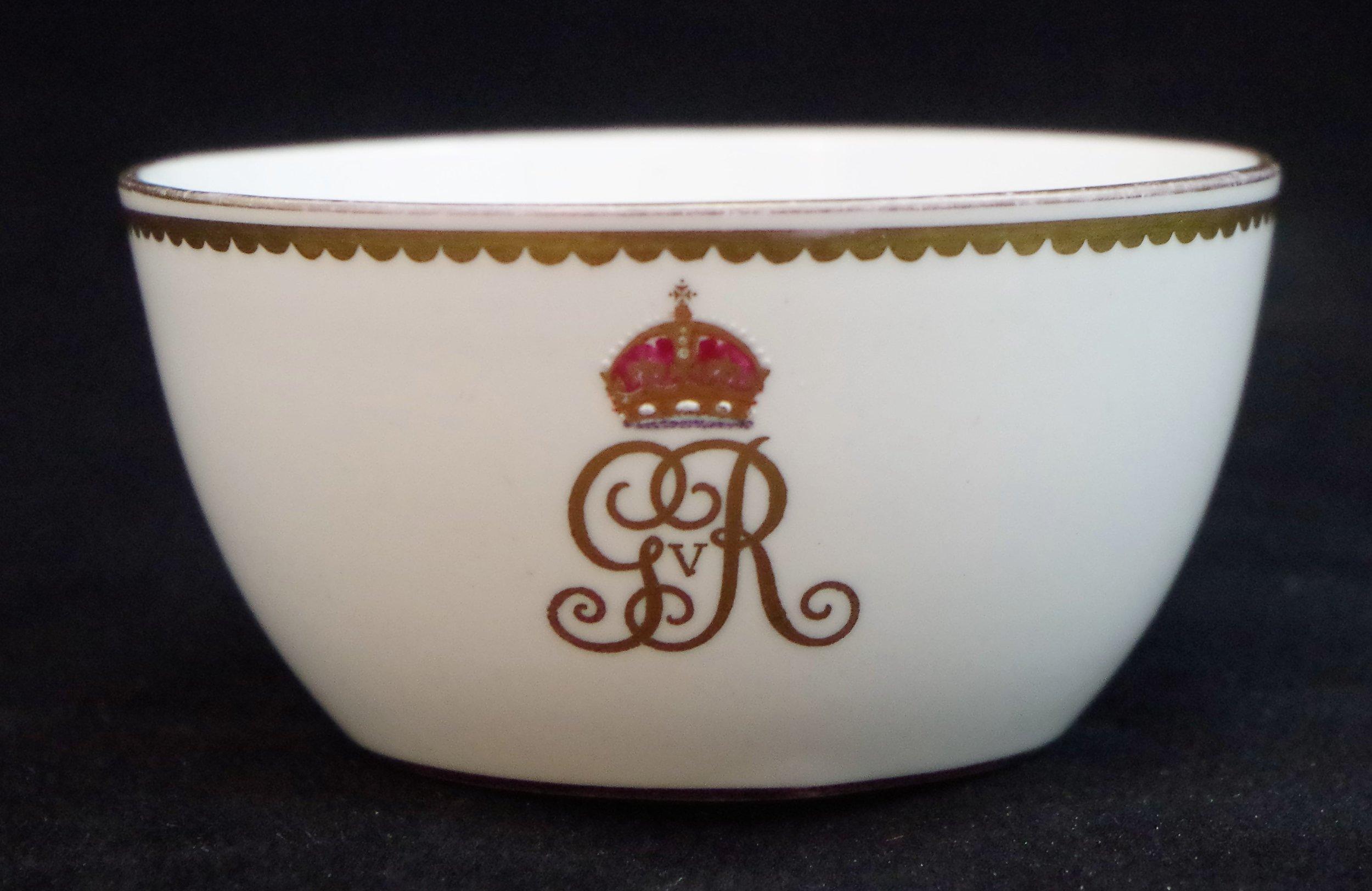 royal-crown-derby-george-V-monogram-royal-yacht-sugar-basin