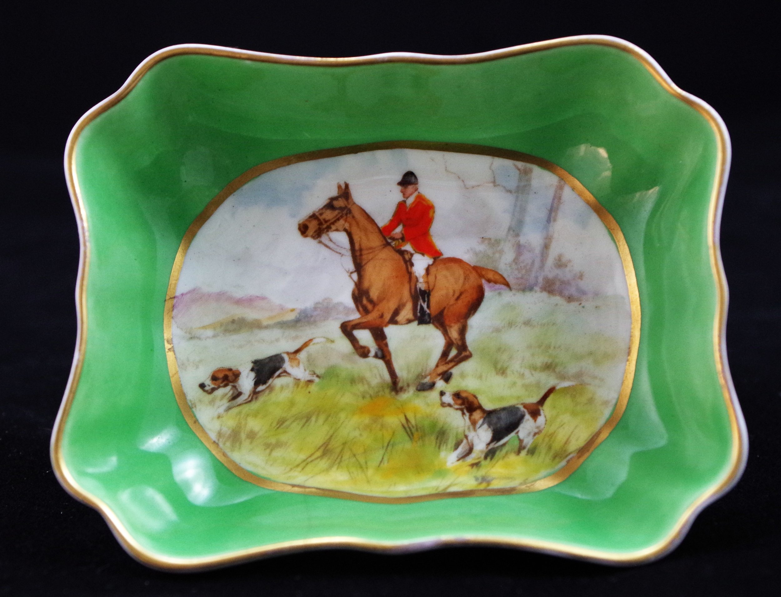 royal-crown-derby-oblong-tray-1800-green-ground-hunting-scene