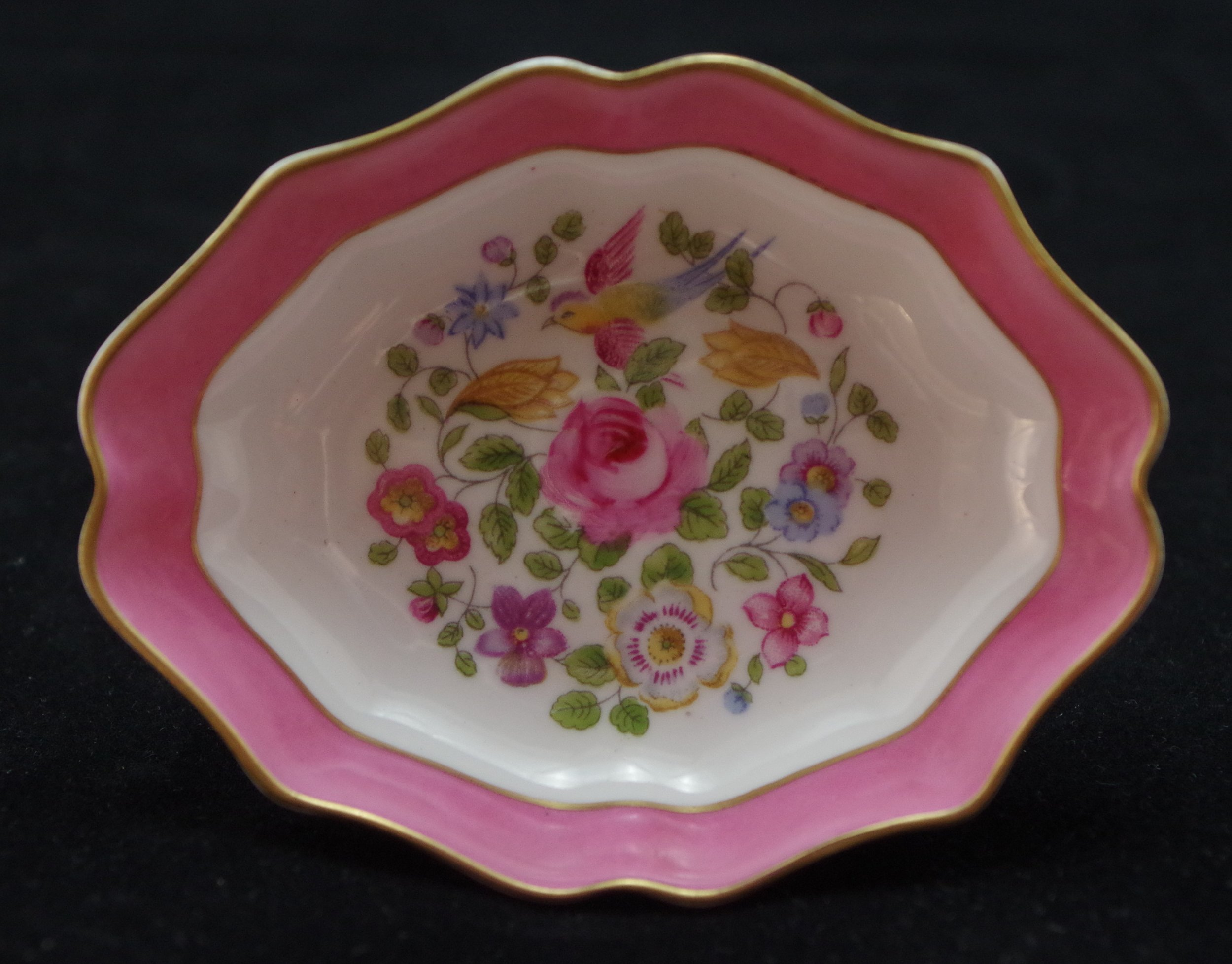 royal-crown-derby-shape-1802-oval-pink-ground-cotswold-centre