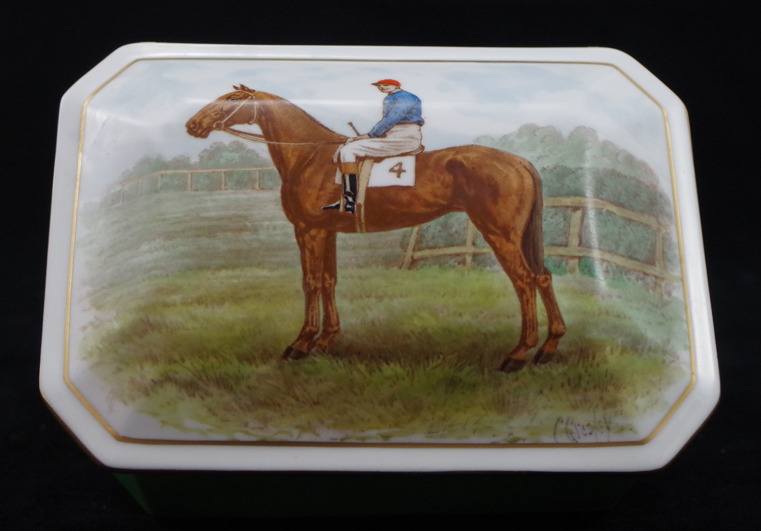 royal-crown-derby-box-1754-shape-gresley-jockey-scene