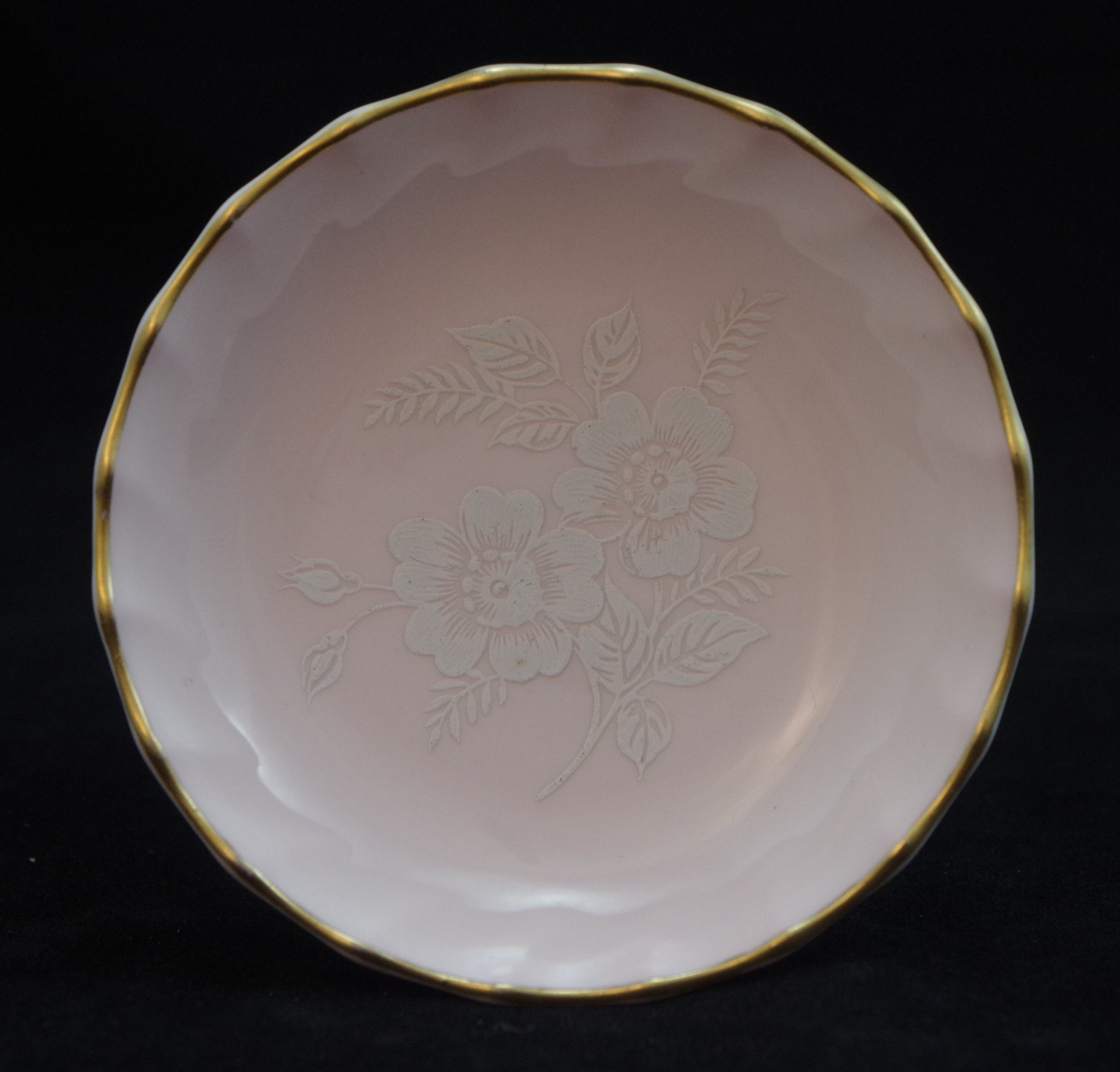 royal-crown-derby-boston-round-tray-salmon-white-roses
