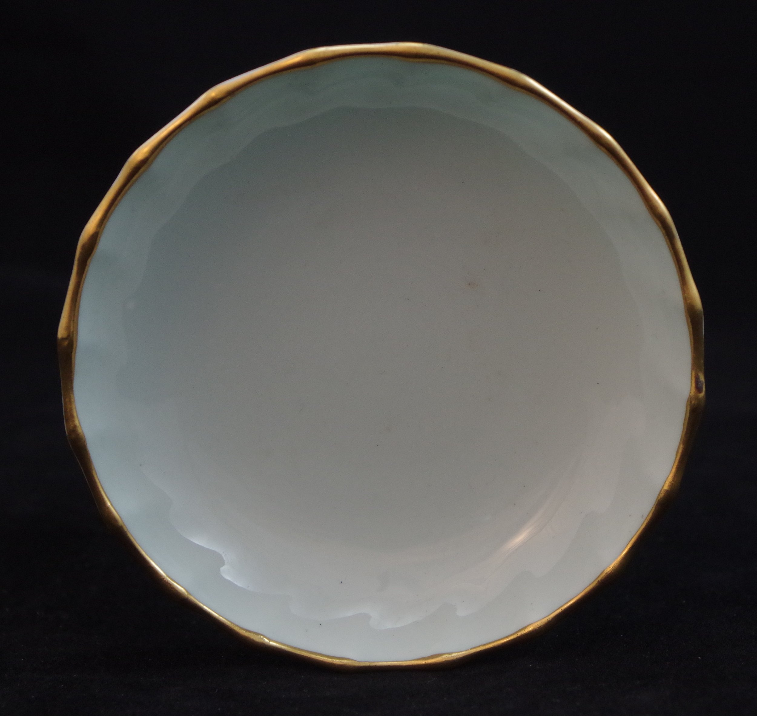 royal-crown-derby-boston-round-tray-celadon