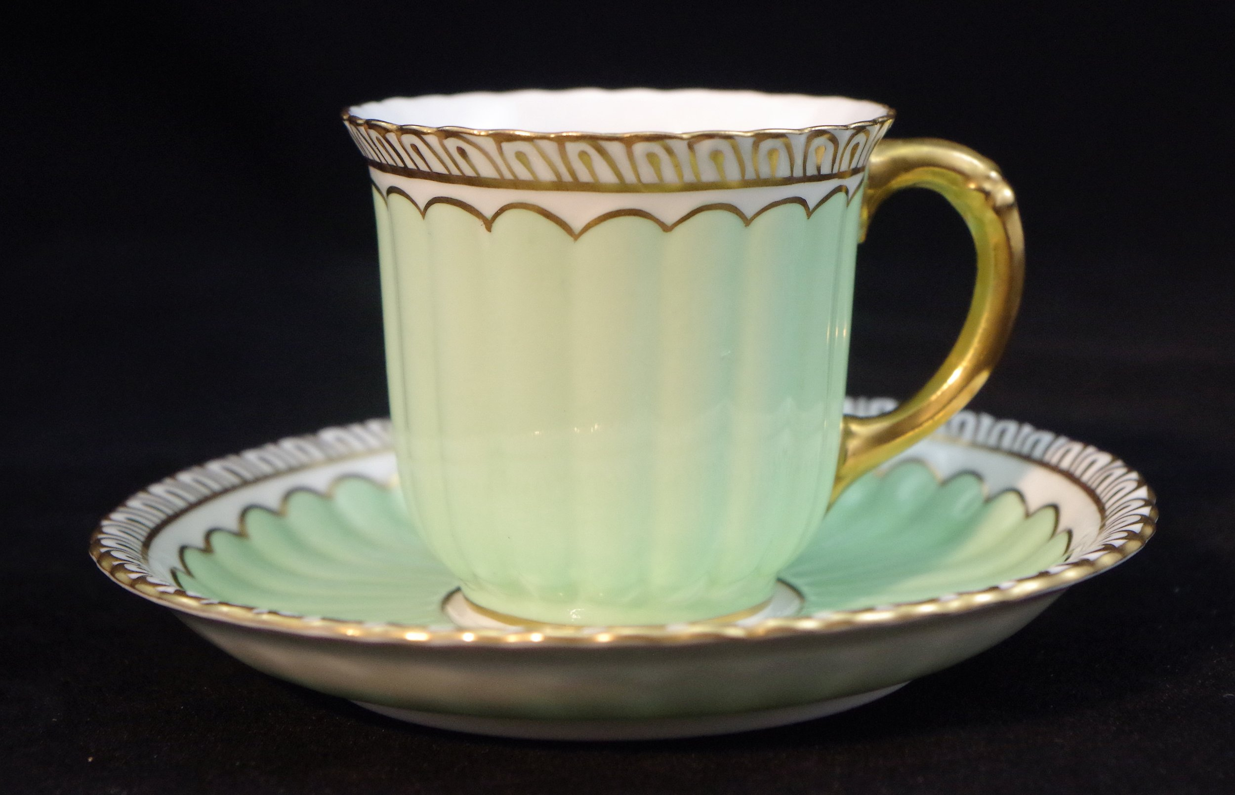 royal-crown-derby-fluted-duesbury-green