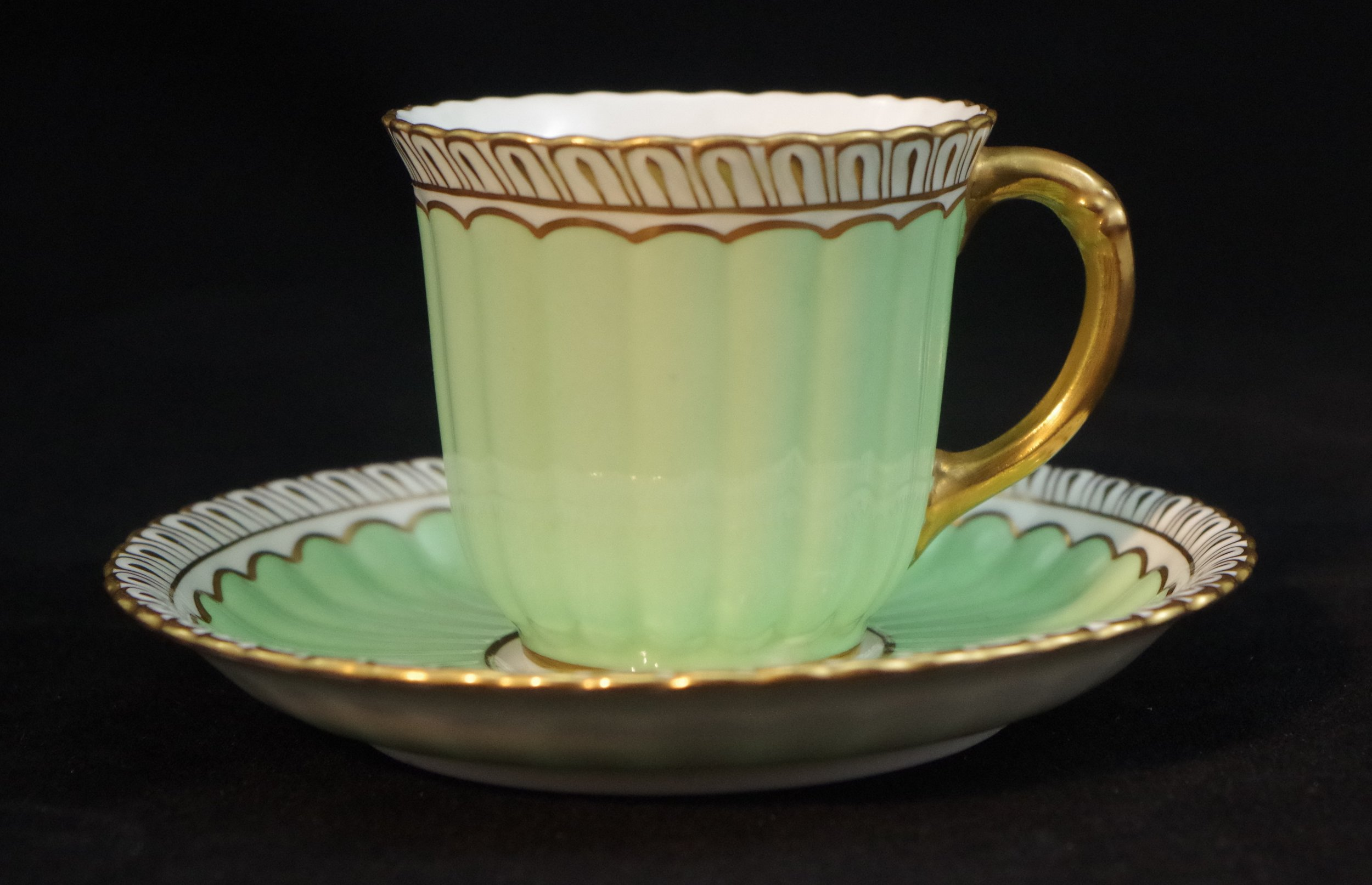royal-crown-derby-fluted-green