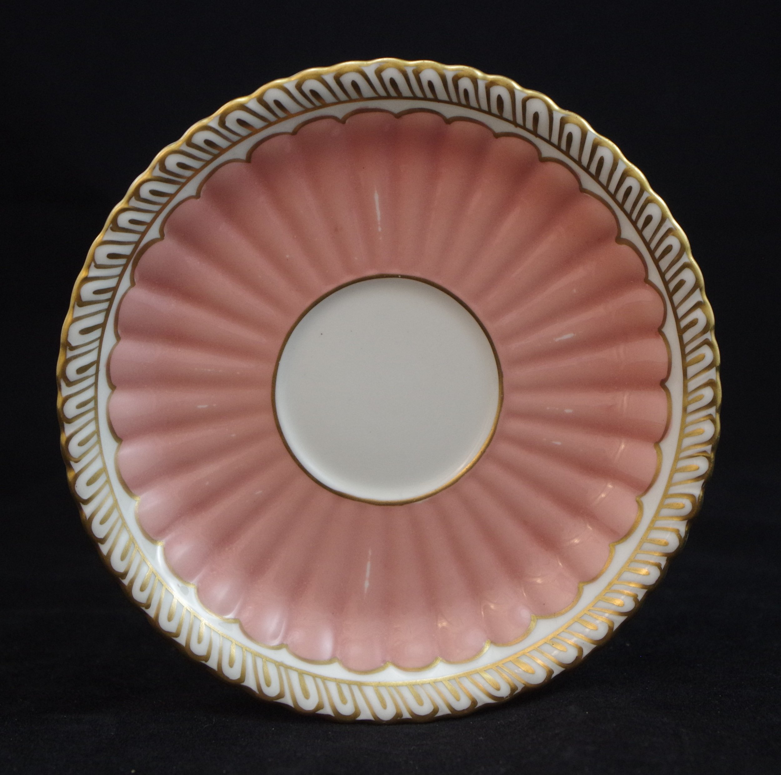 royal-crown-derby-fluted-salmon
