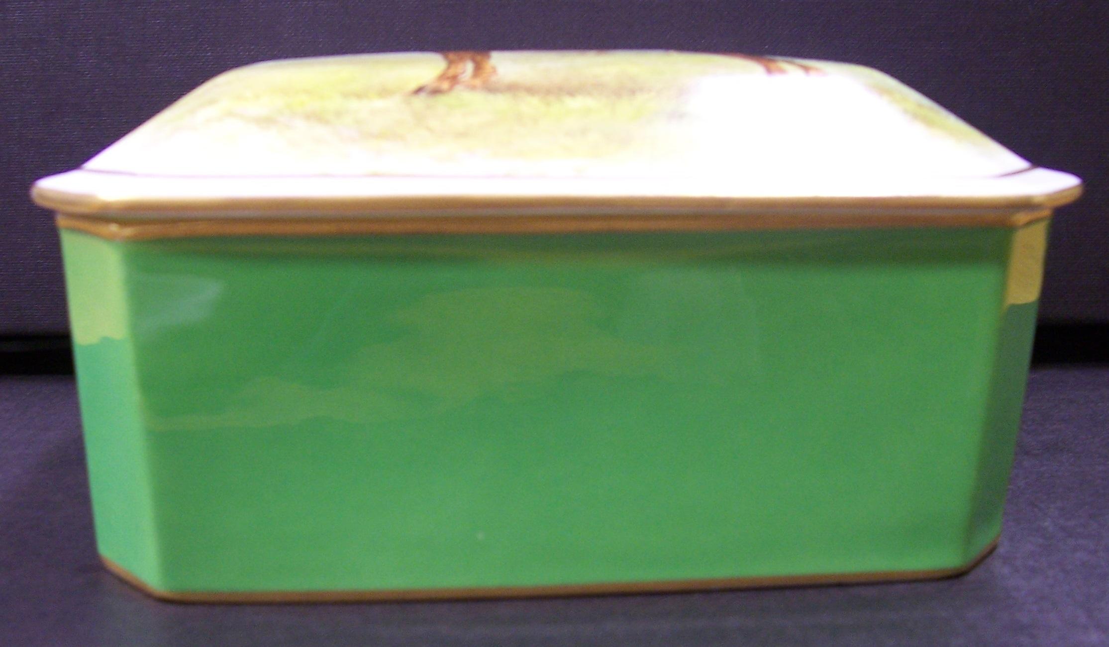 royal-crown-derby-box-1754-shape-gresley-jockey-scene-profile
