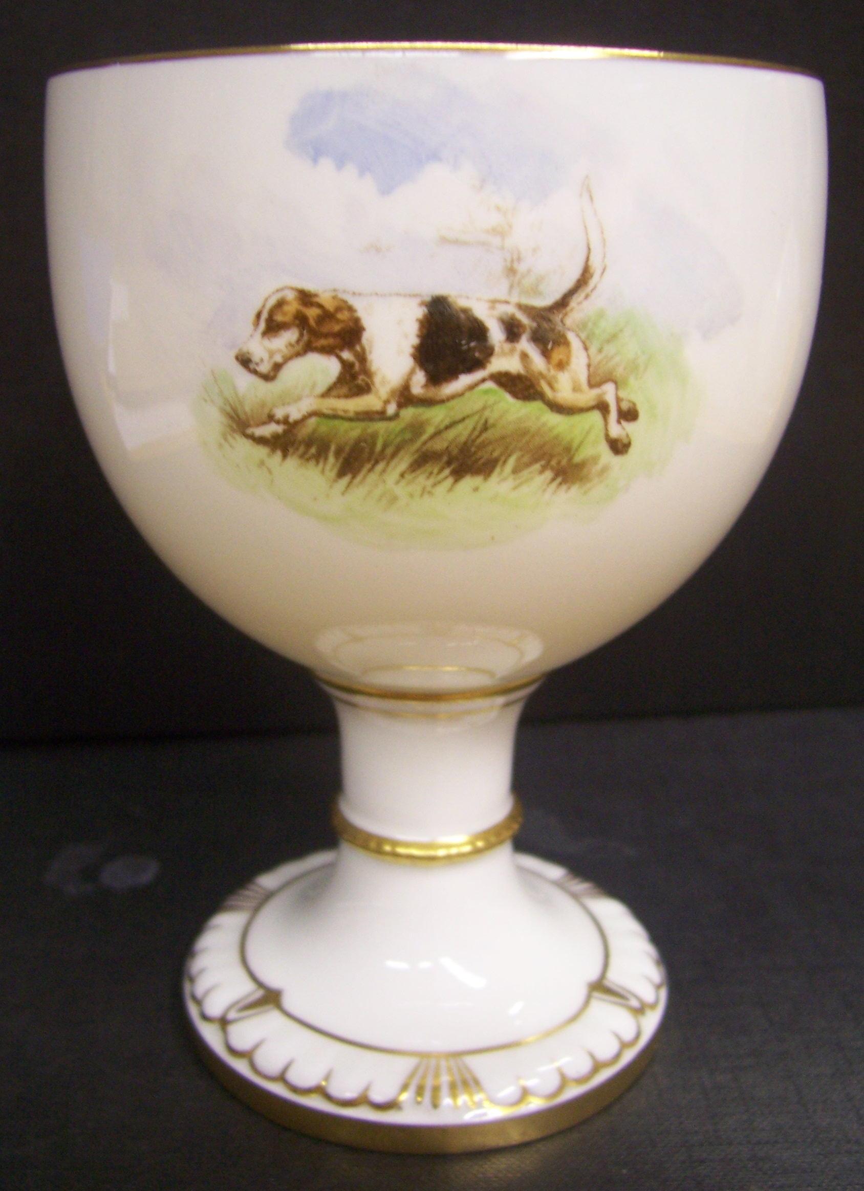 royal-crown-derby-goblet-1942-shape-dean-hunting-scene-reverse