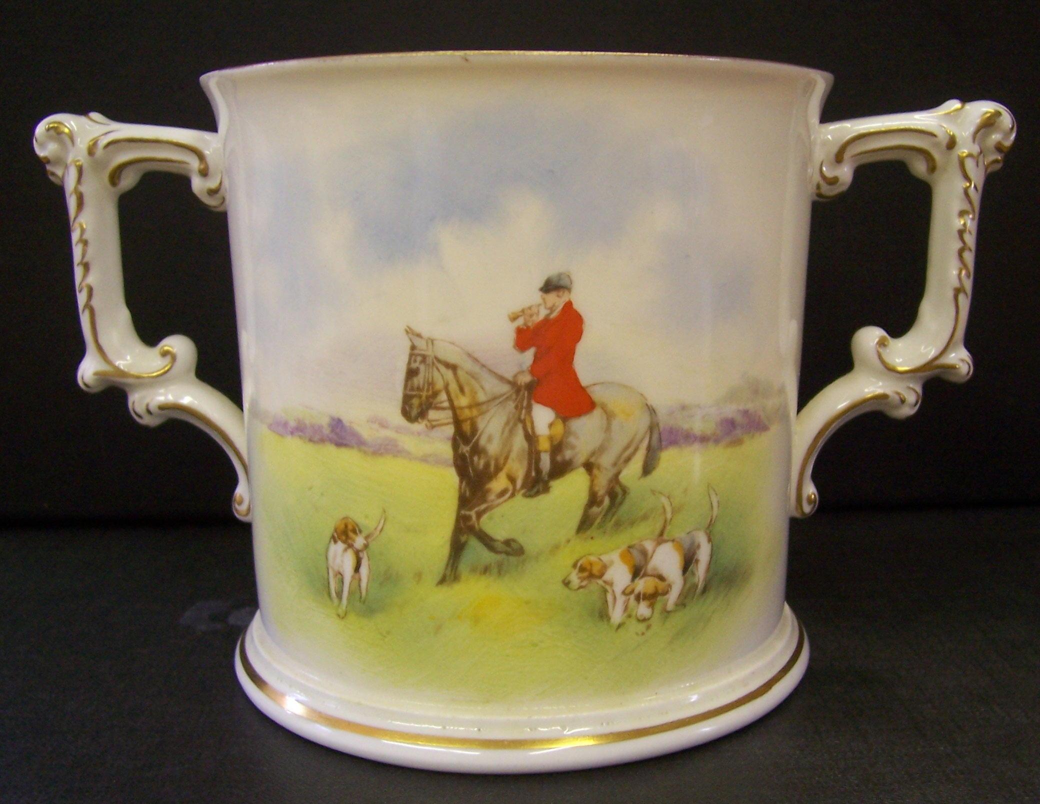 royal-crown-derby-large-loving-cup-hunting-scene-reverse