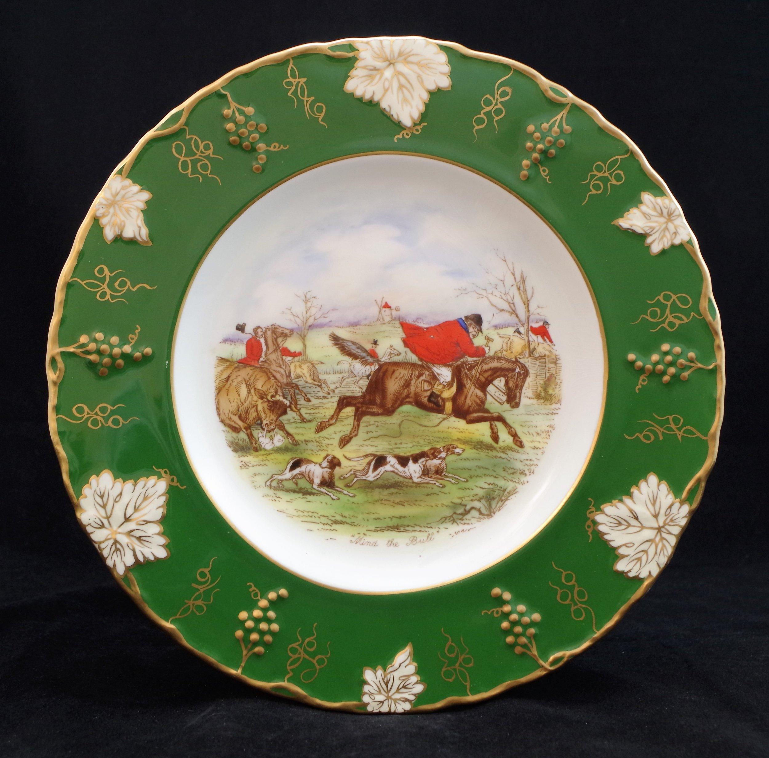 royal-crown-derby-vine-siam-green-ground-jorrocks-1