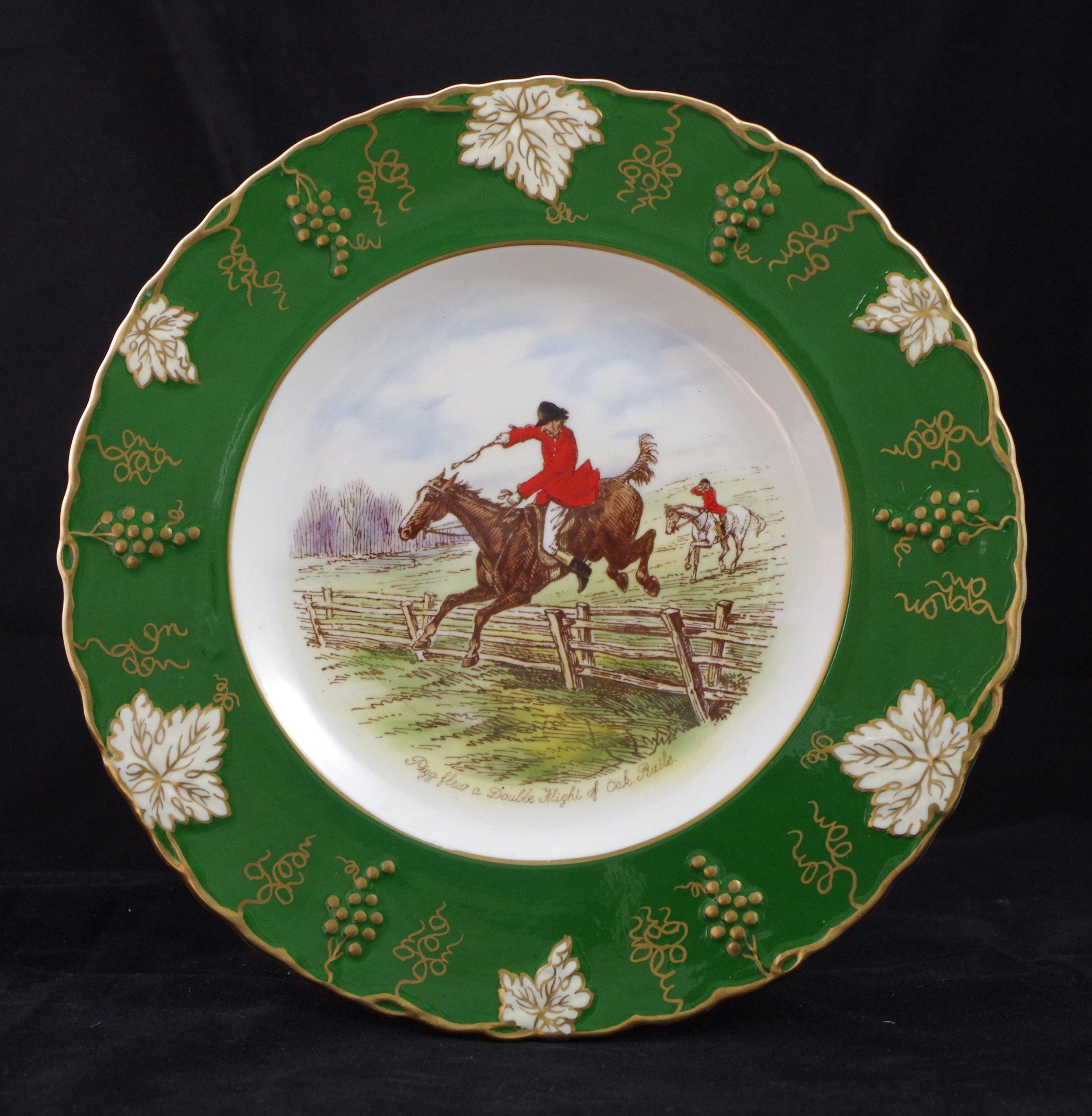 royal-crown-derby-vine-siam-green-ground-jorrocks-2